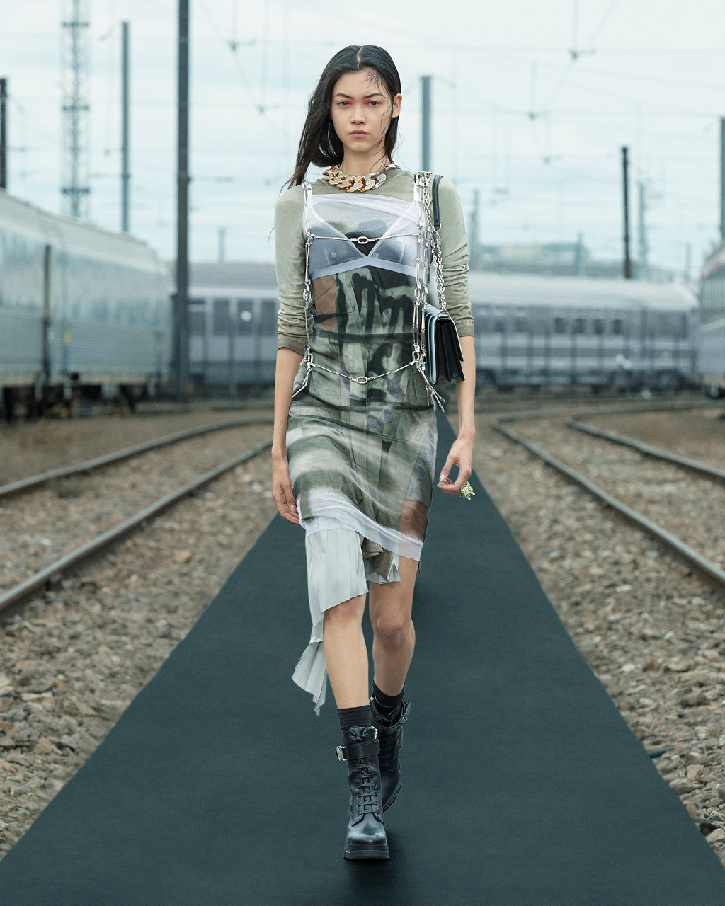 Spring 2022 pre-collection Look 6