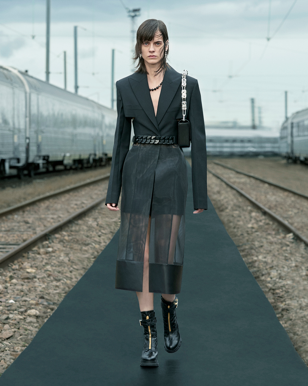 Spring 2022 pre-collection Look 41