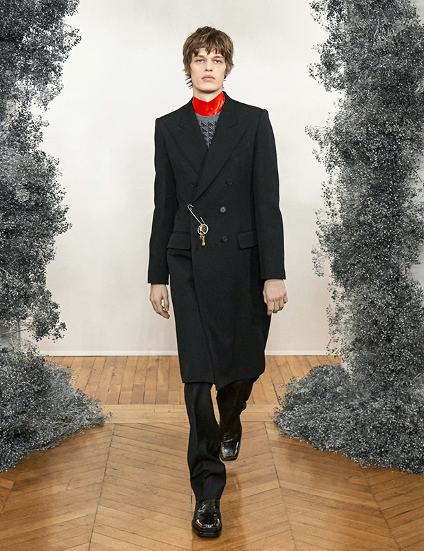Givenchy Winter 2020 show men look 1