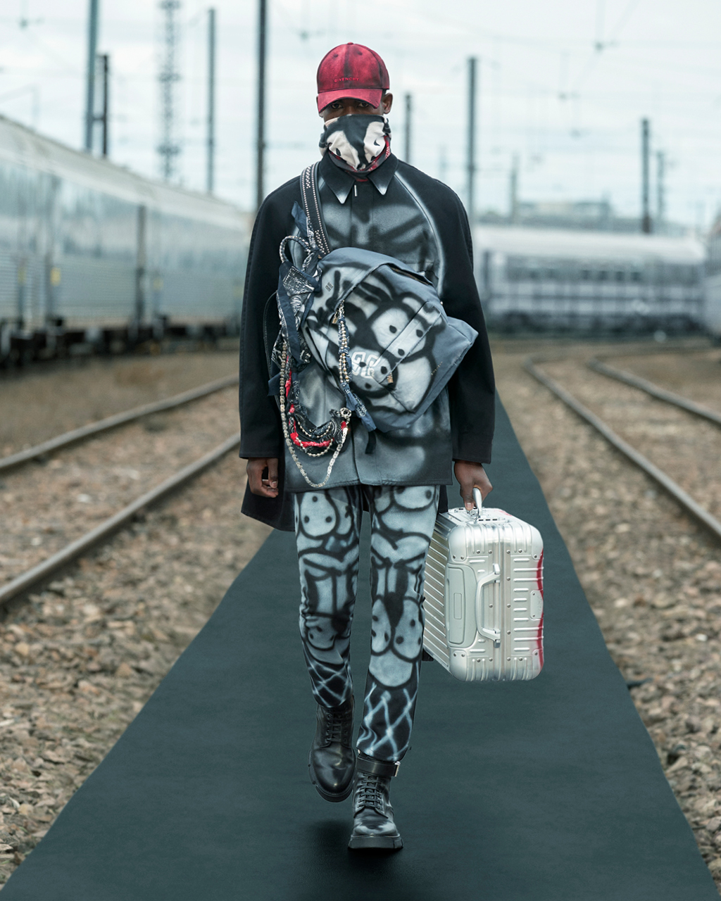 Spring 2022 pre-collection Look 9