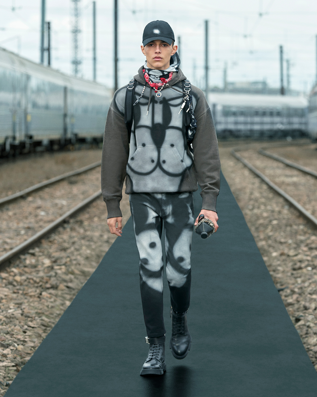 Spring 2022 pre-collection Look 7