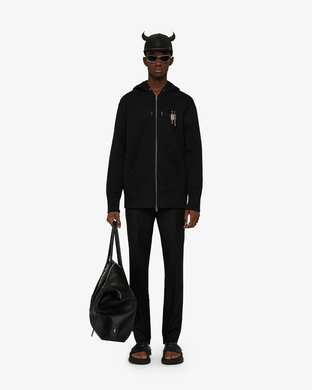 New Antigona Bag Look 1