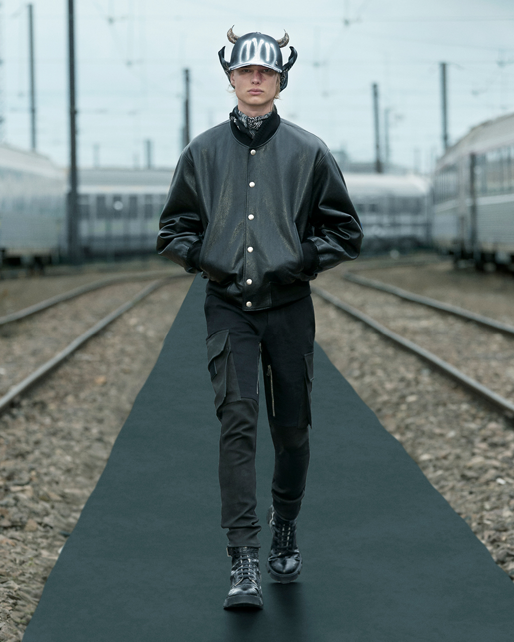 Spring 2022 pre-collection Look 19