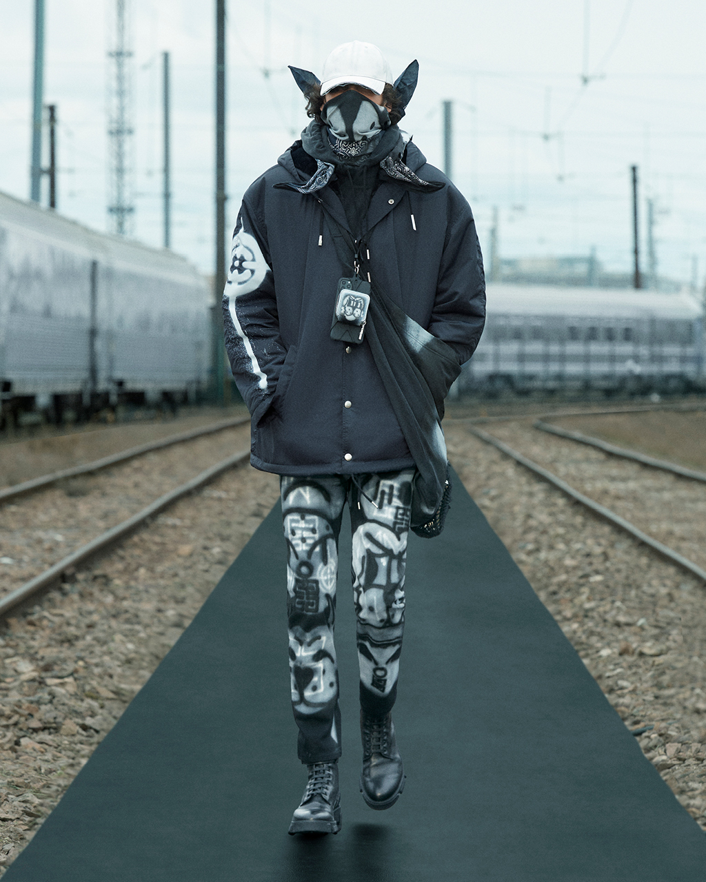 Spring 2022 pre-collection Look 13