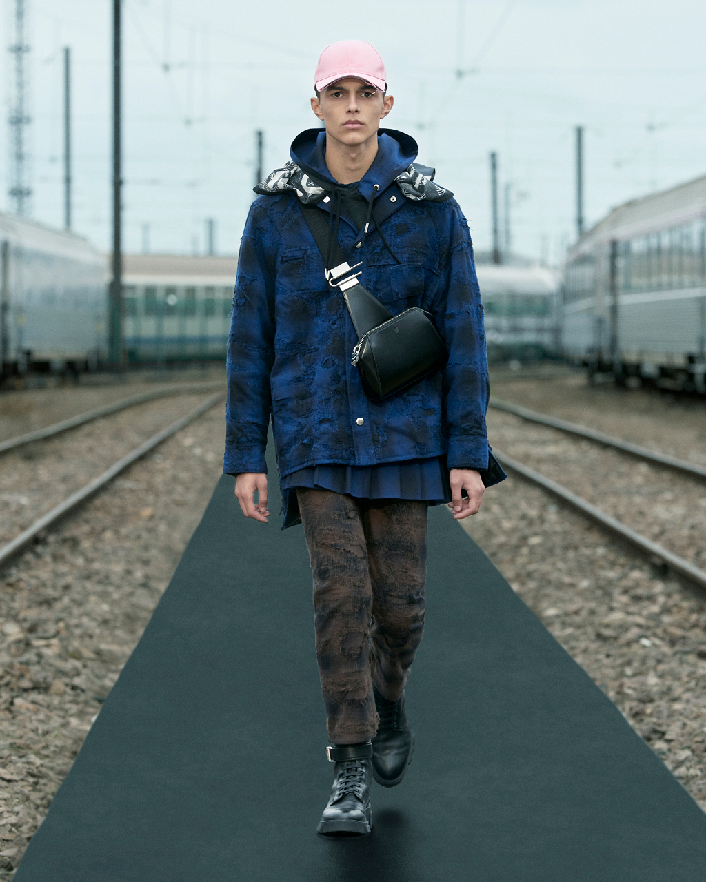 Spring 2022 pre-collection Look 23