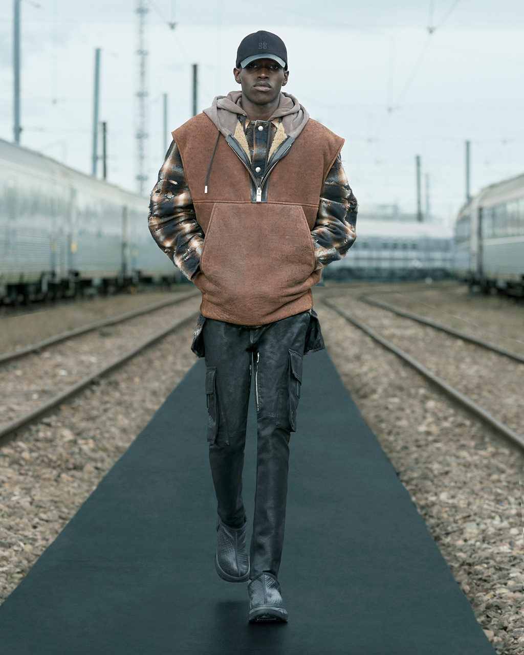 Spring 2022 pre-collection Look 29