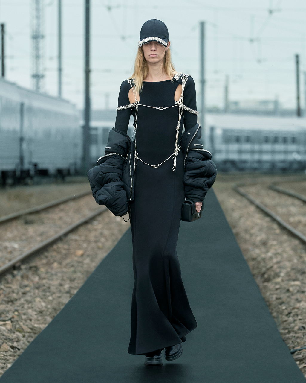Spring 2022 pre-collection Look 44