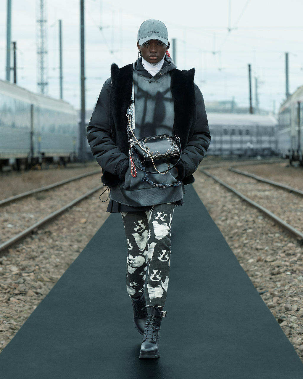 Spring 2022 pre-collection Look 10