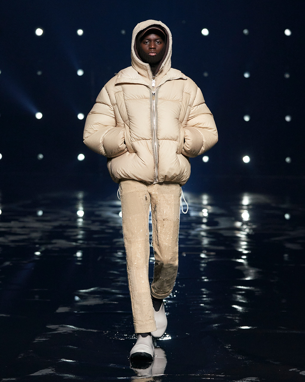 Fall Winter 2021 collection Look 32