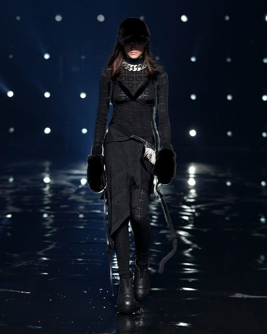 Fall Winter 2021 collection Look 2