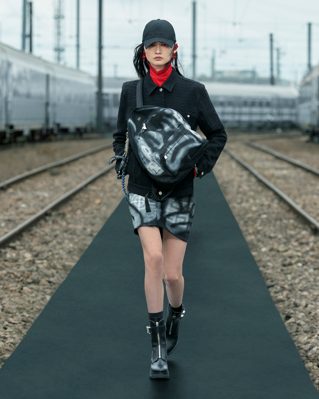 Spring 2022 pre-collection Look 8