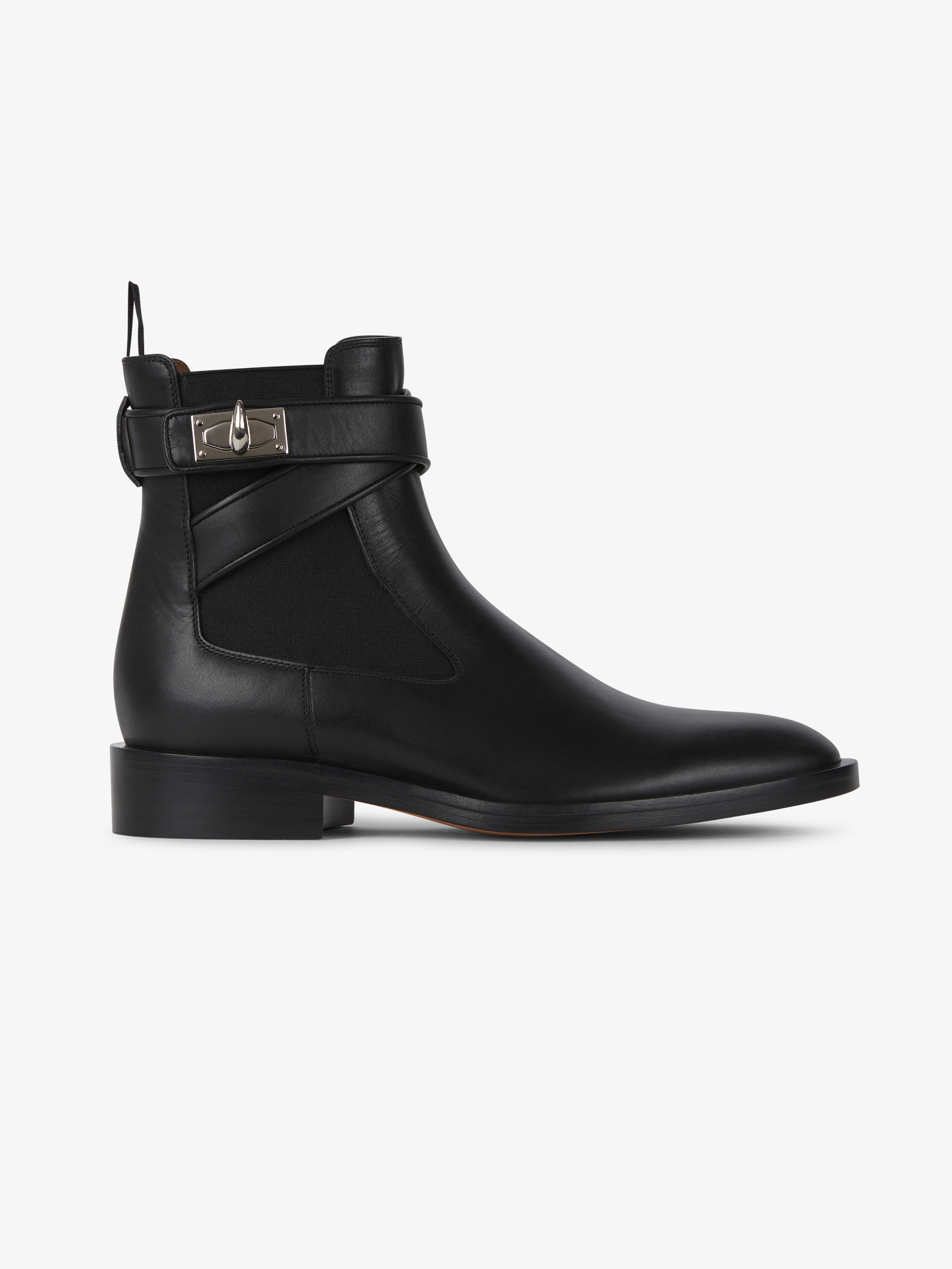 Shark Lock flat ankle boots