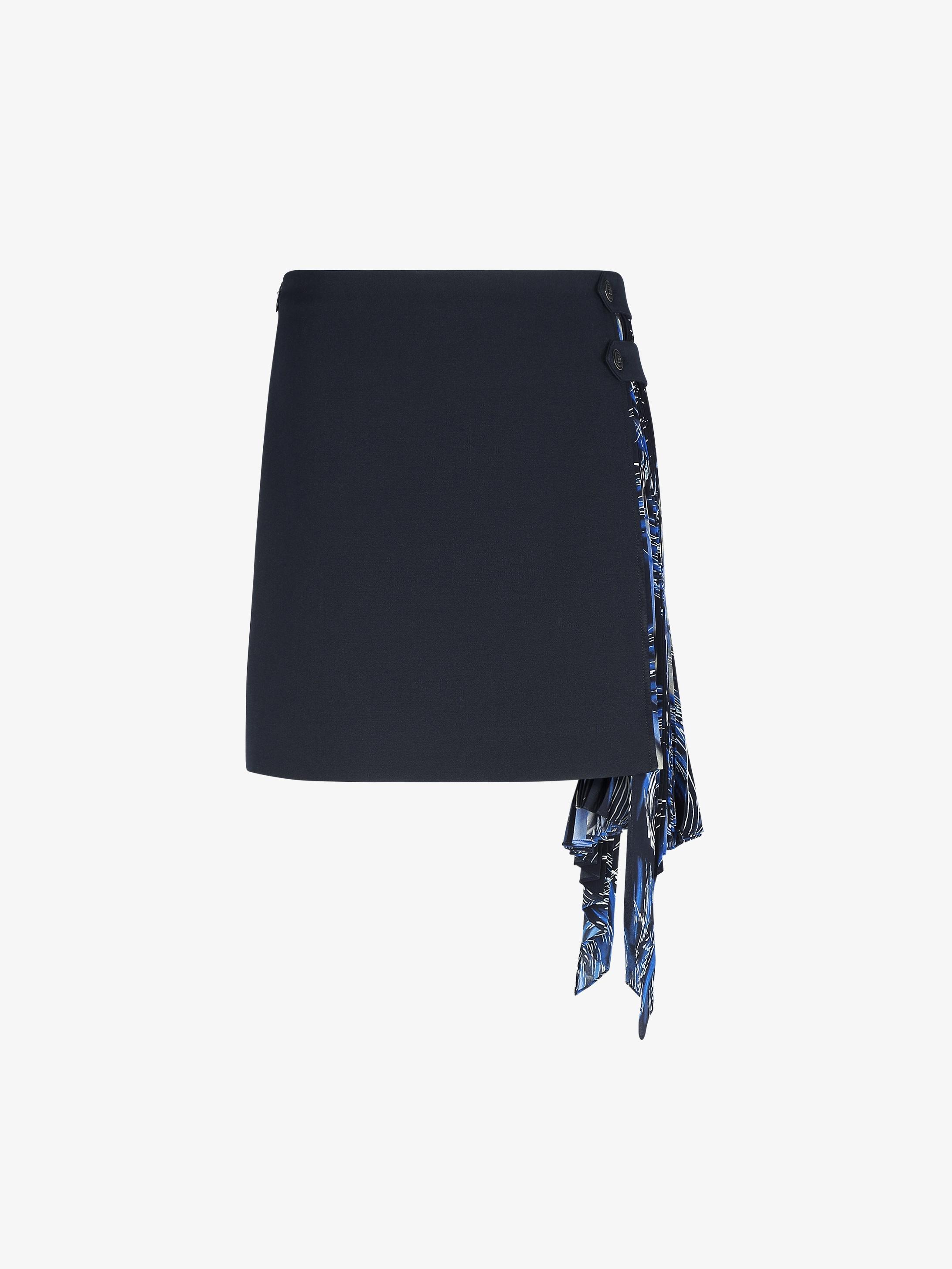 Waves printed flared and pleated mini skirt