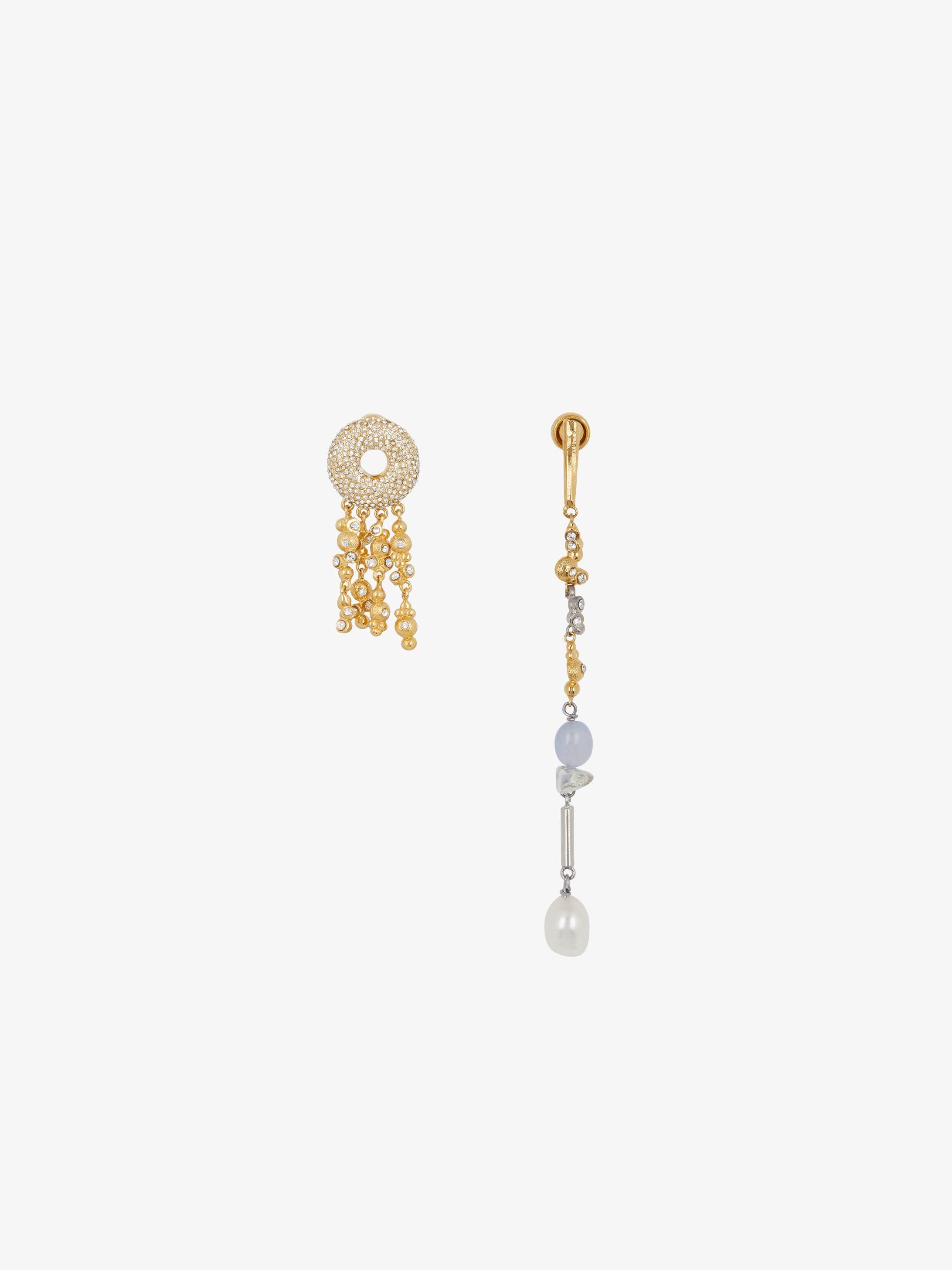 Halo asymmetrical earrings