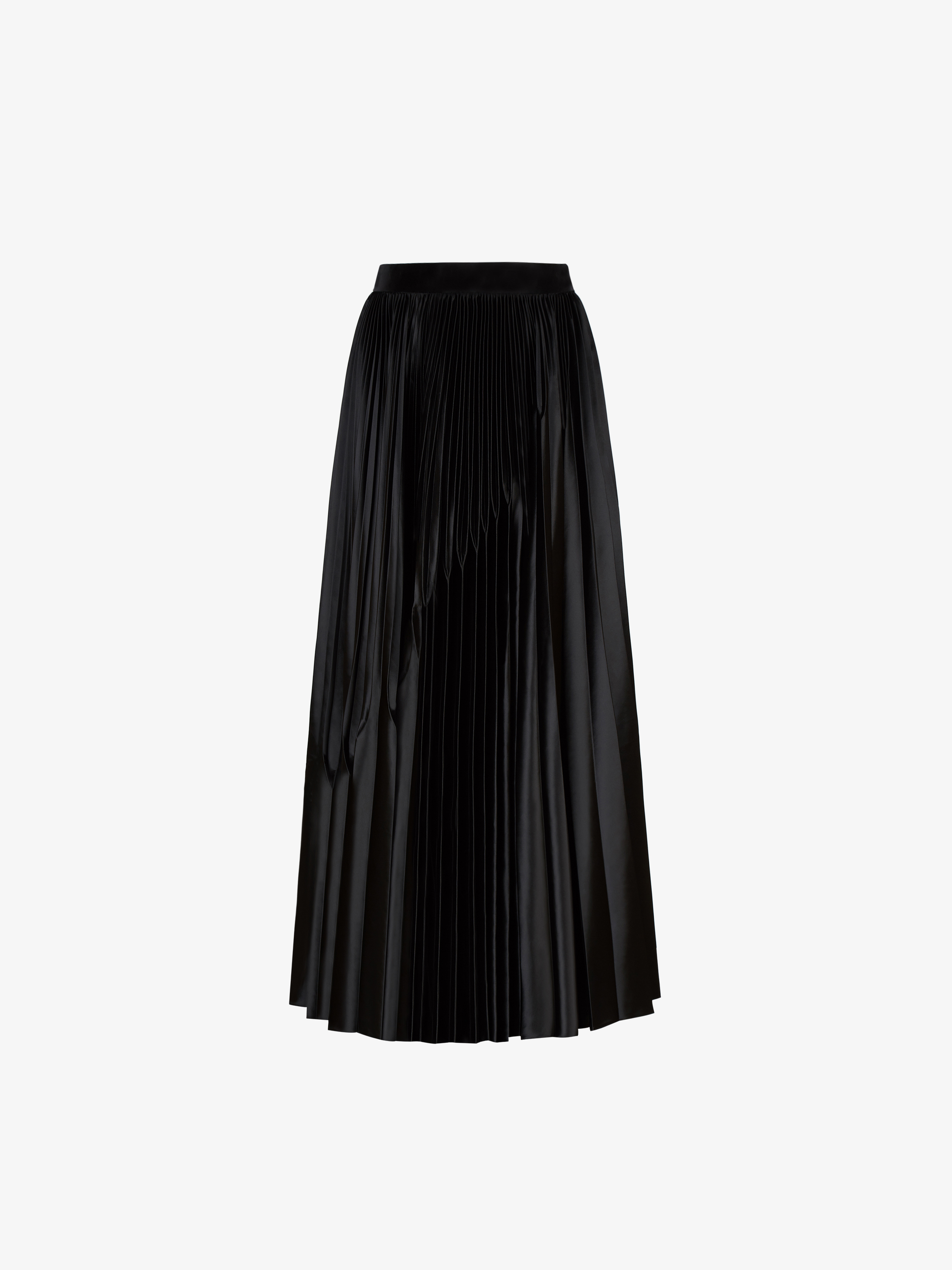 Pleated skirt in satin