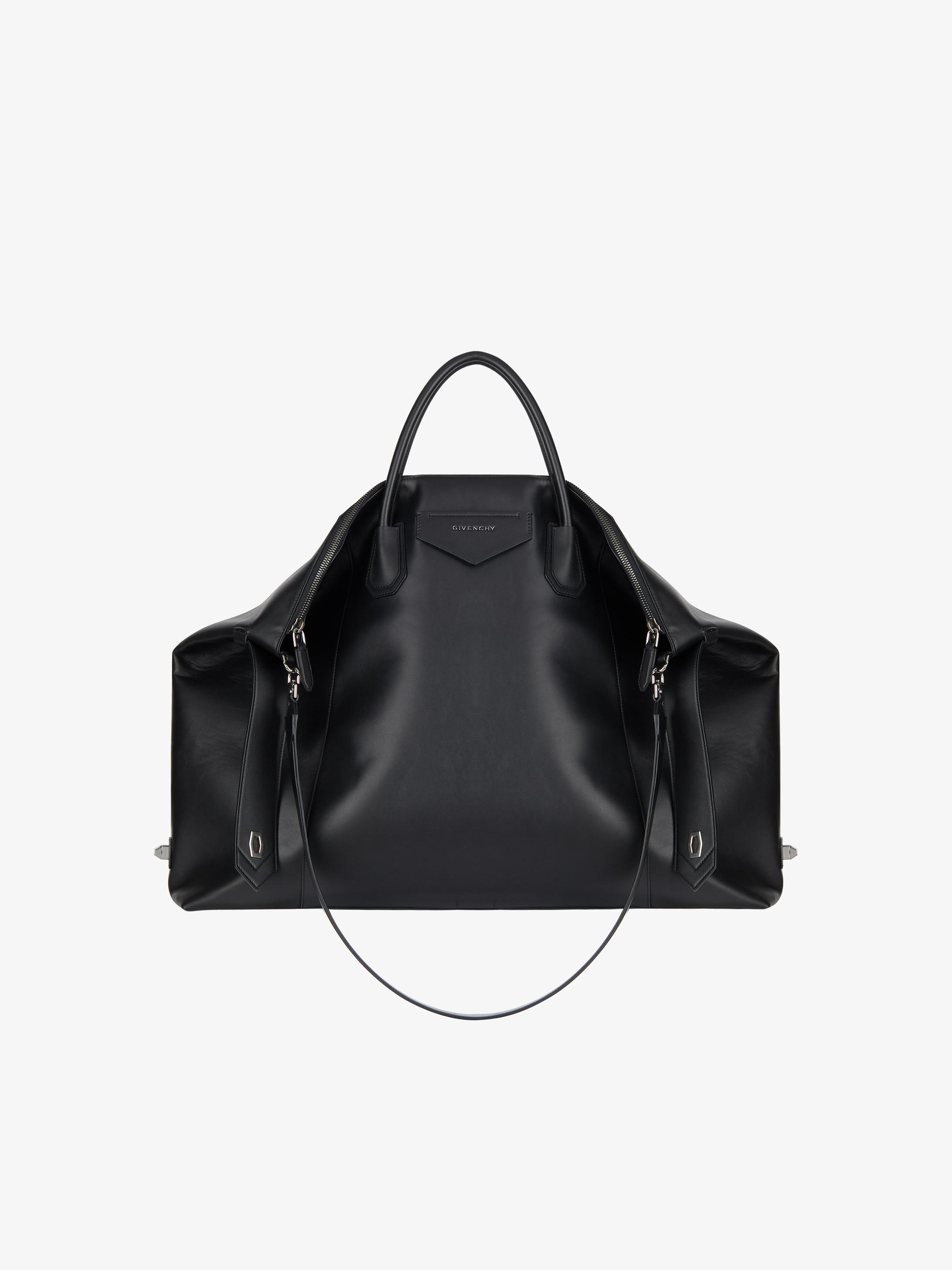 Antigona Soft XL bag in smooth leather