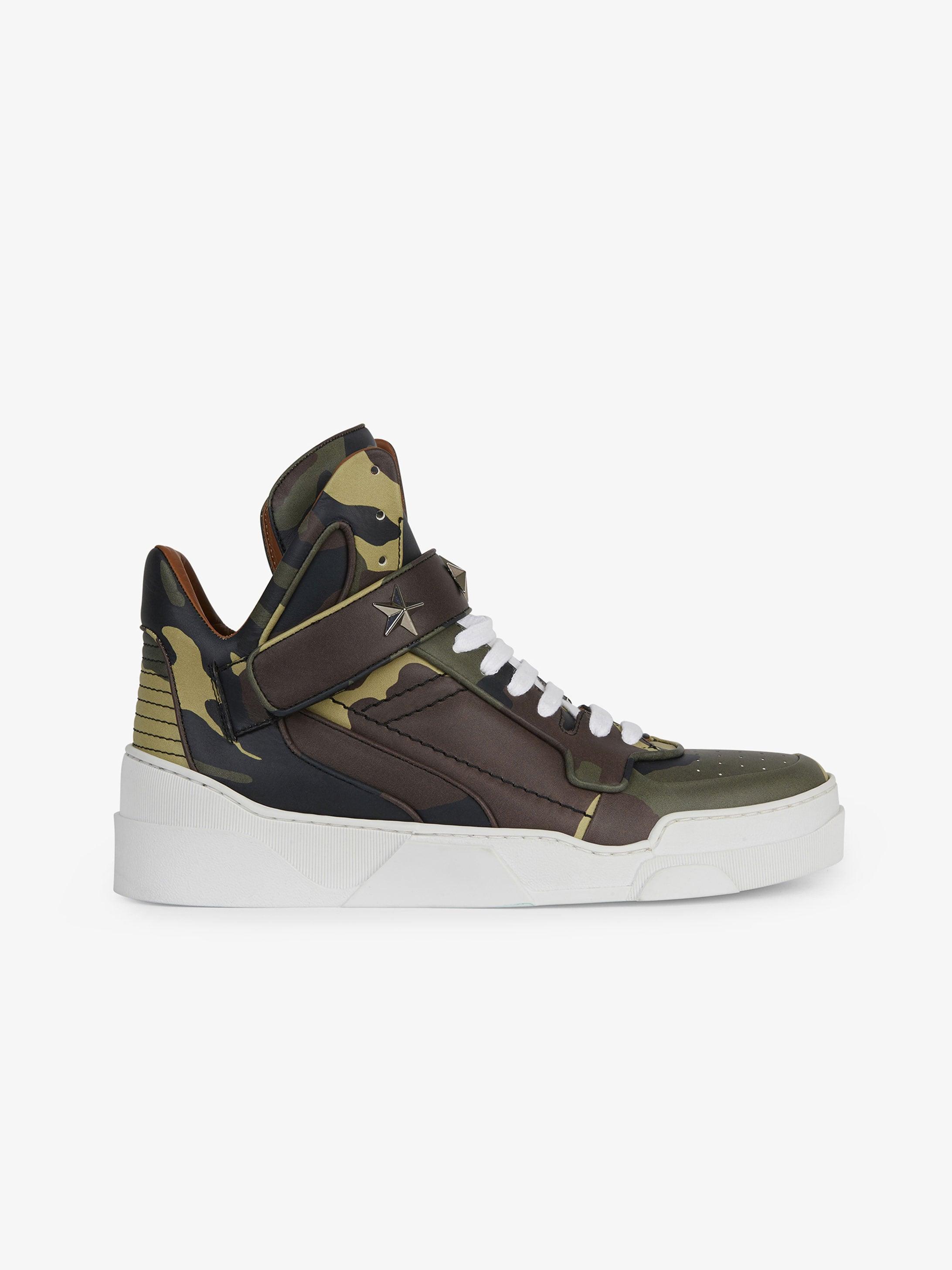 Sneakers montantes en cuir imprimé camouflage