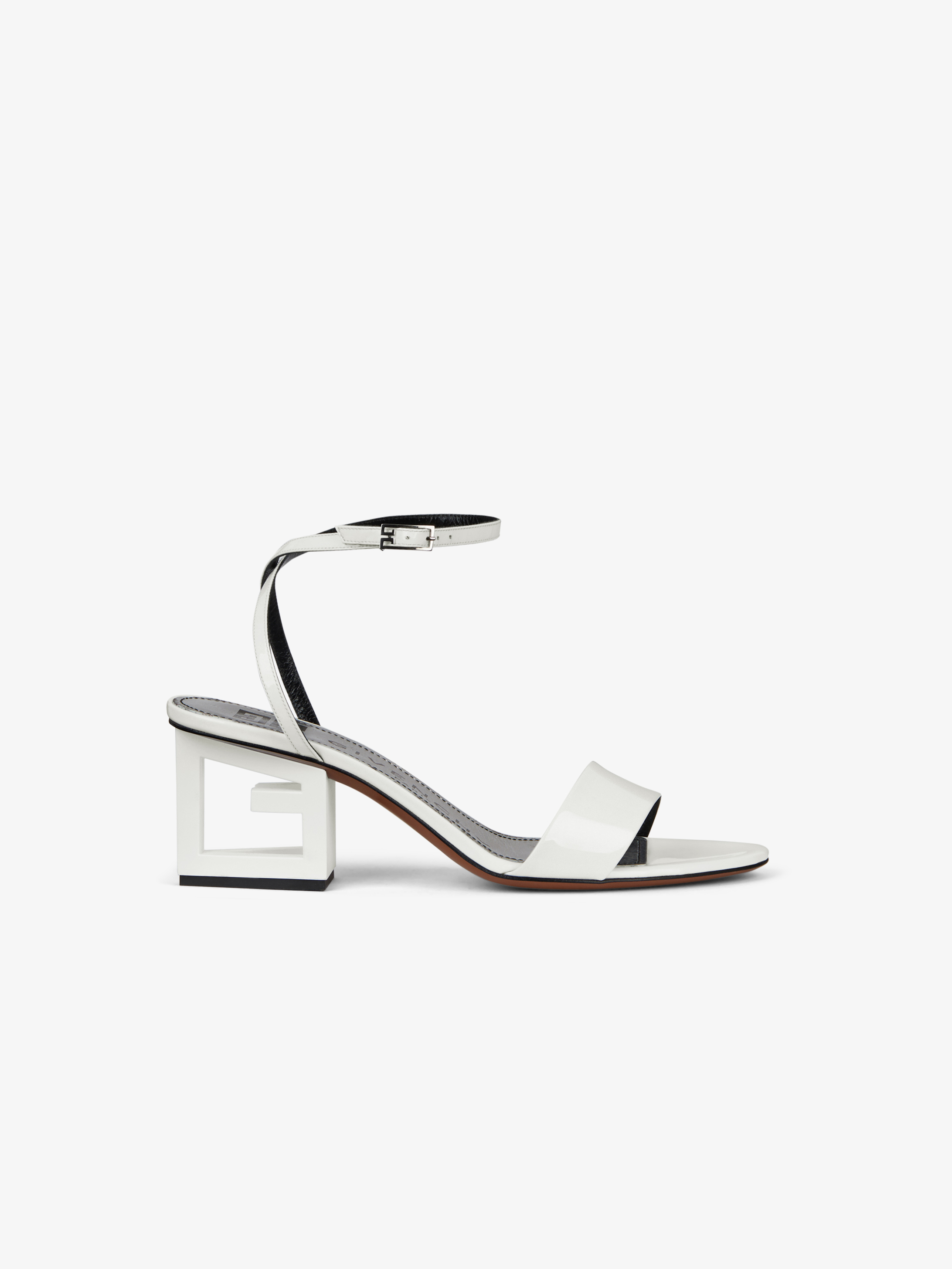 G heel sandals in patent leather