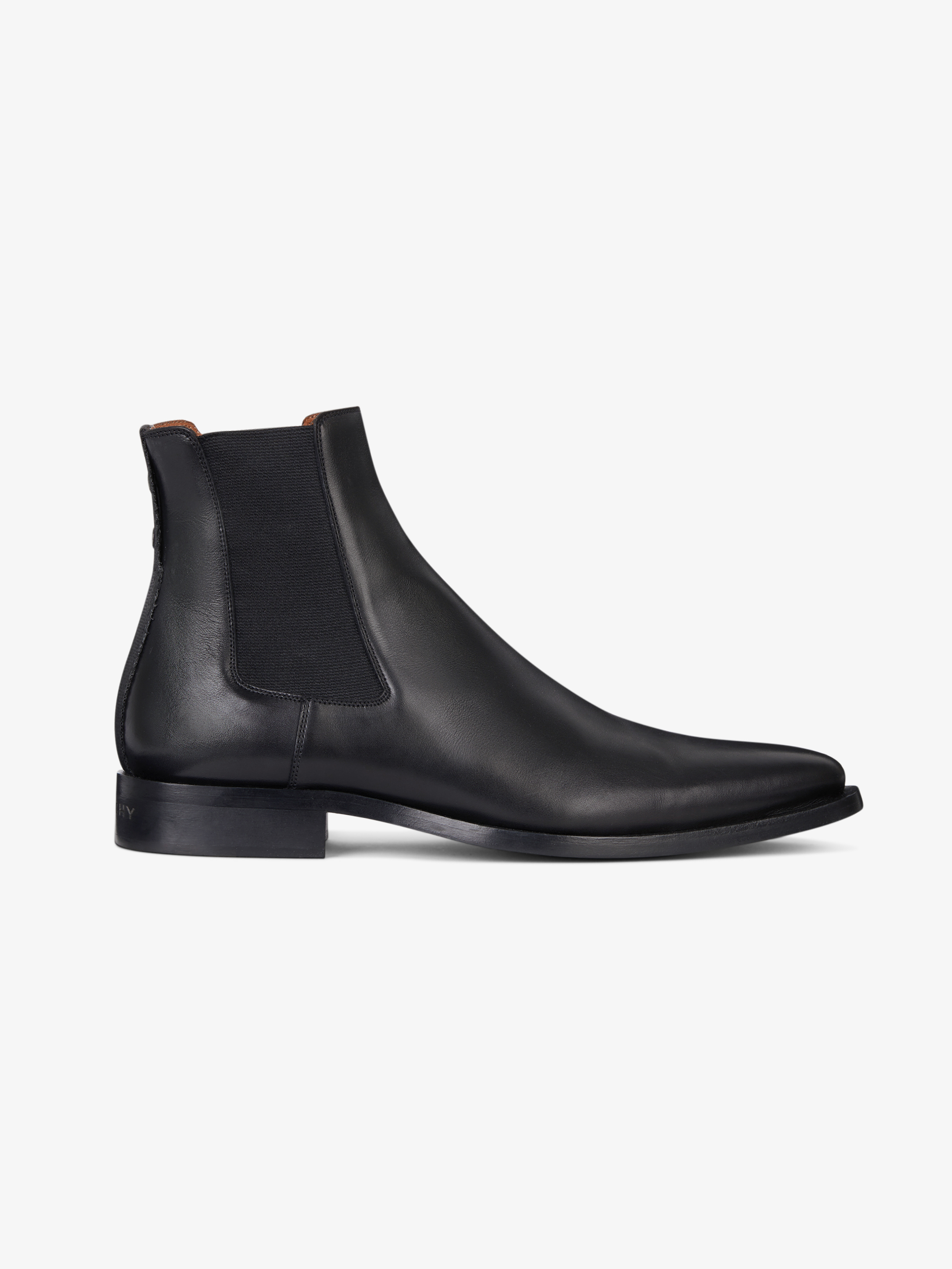 Chelsea pointed-toe boots in smooth leather