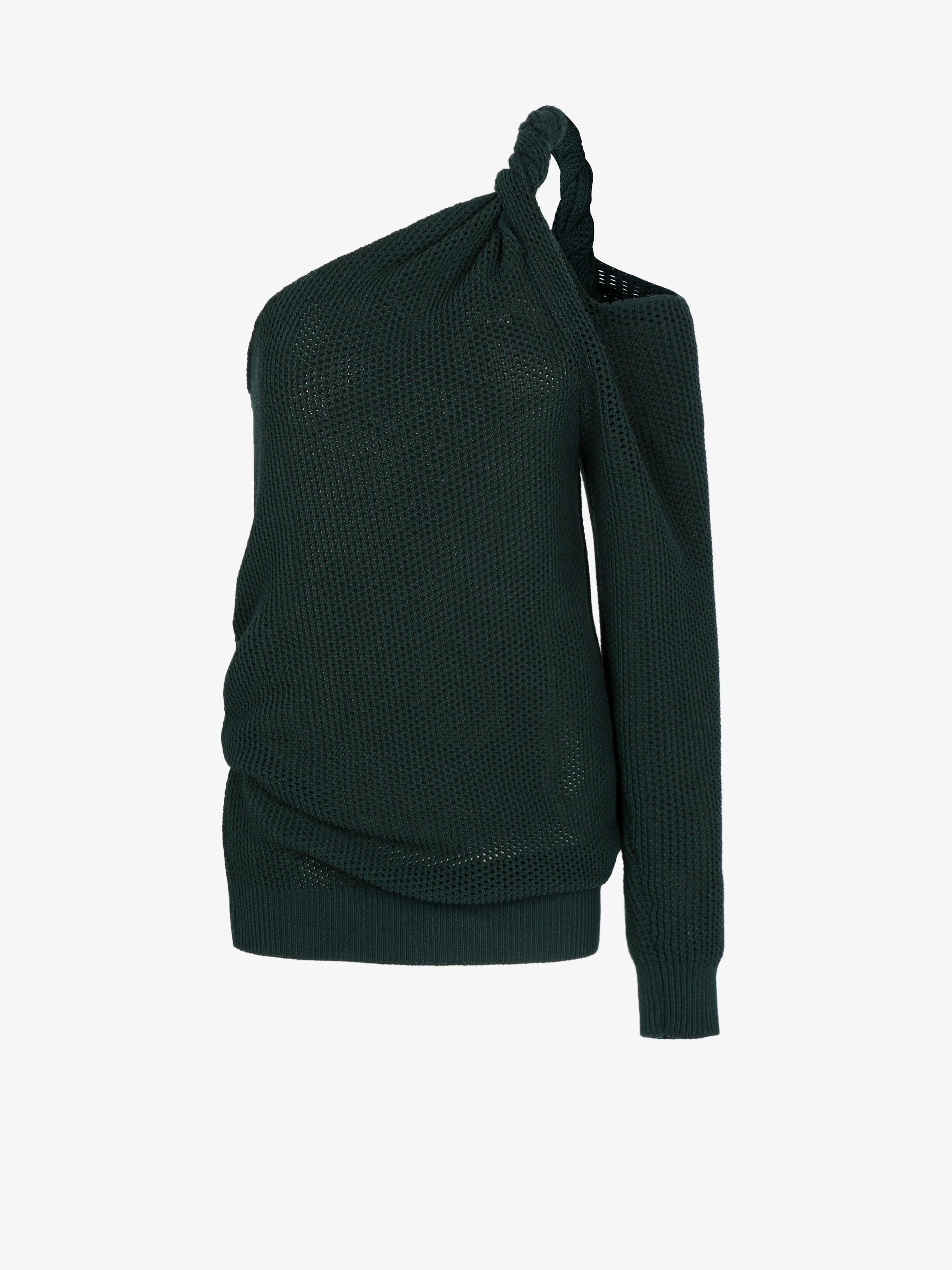 Asymmetrical top in mesh