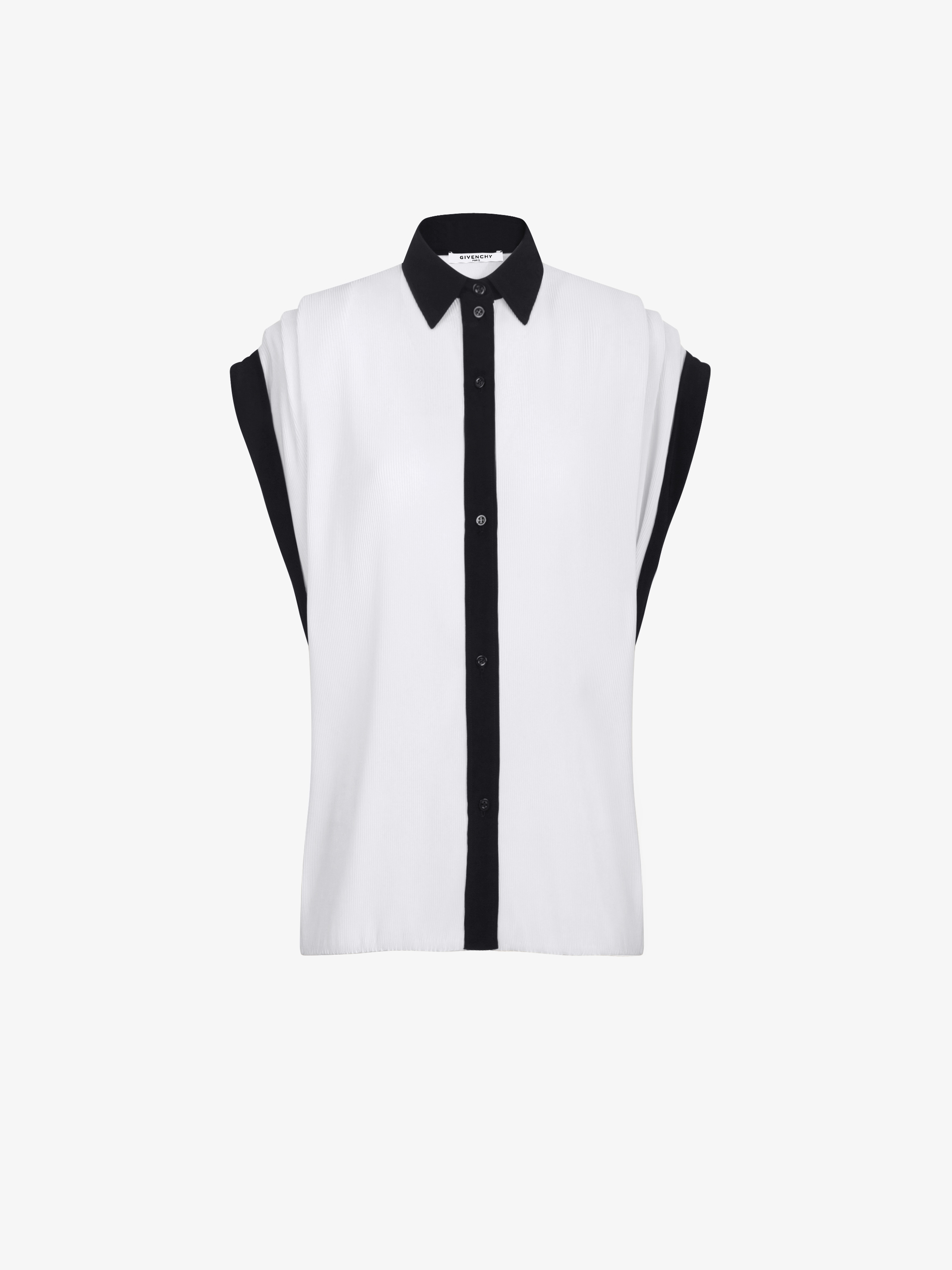 Shirt with batwing short sleeves