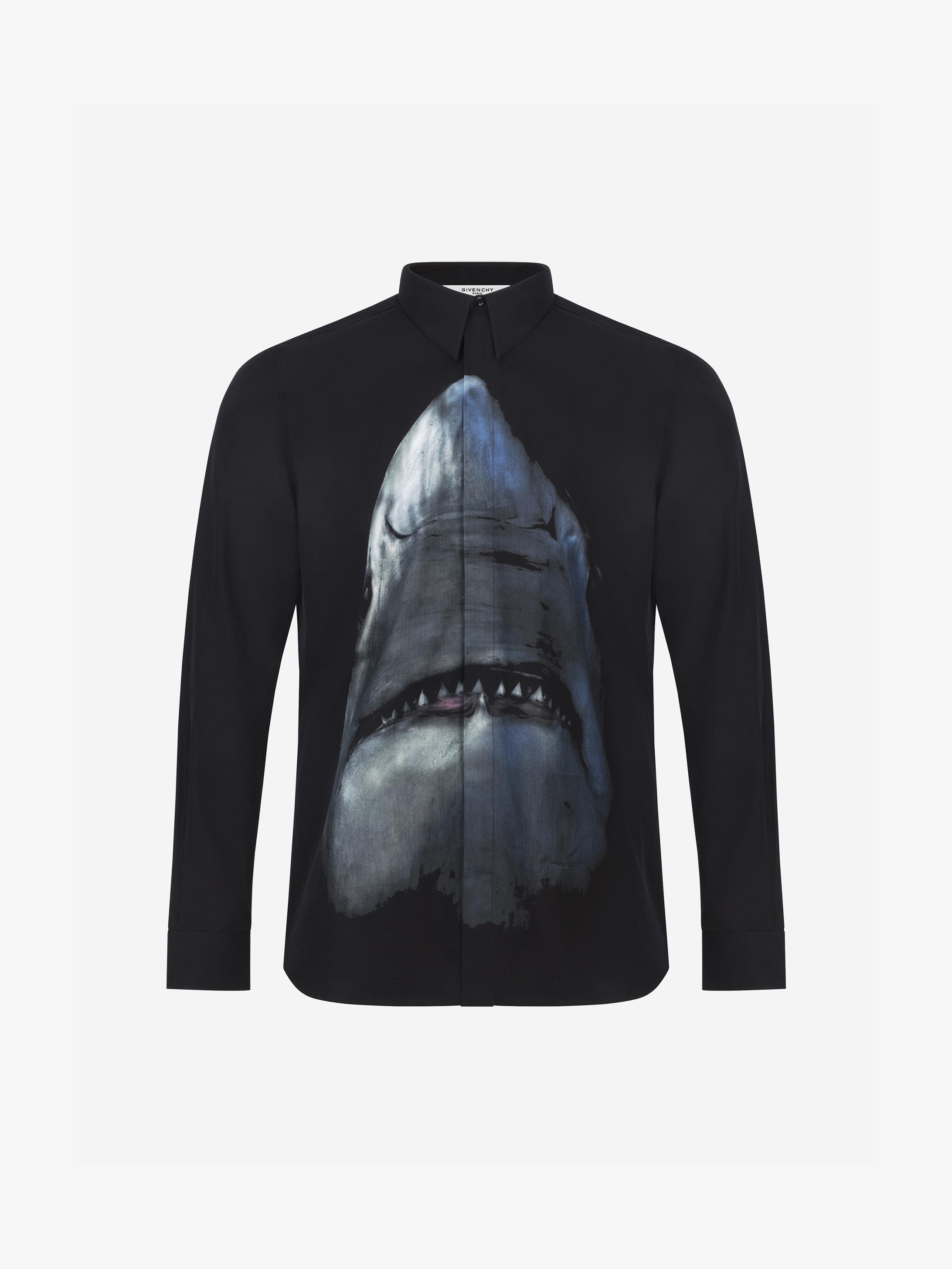 Camicia aderente con stampa Shark