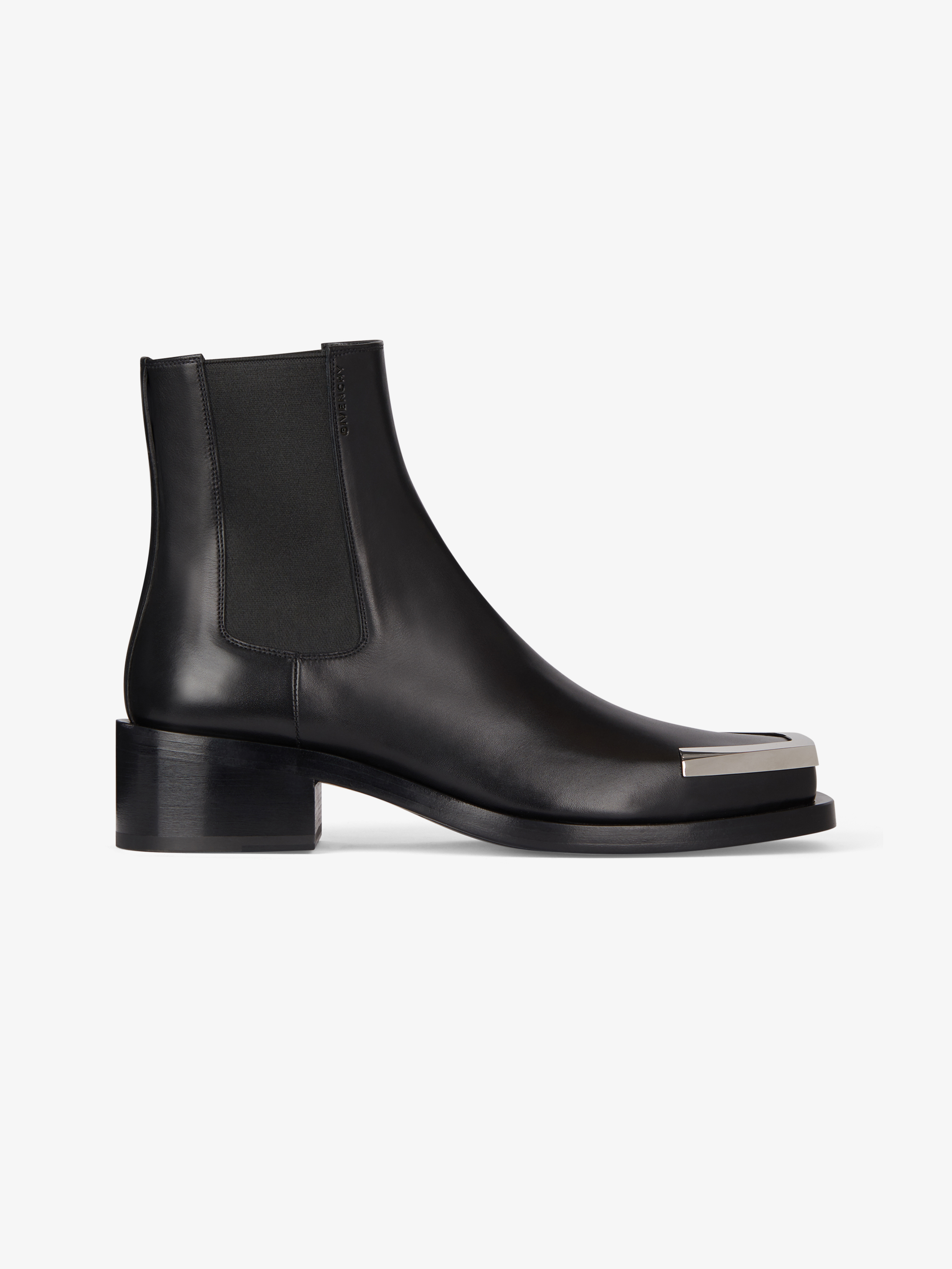 Austin chelsea boots in leather with metal tips