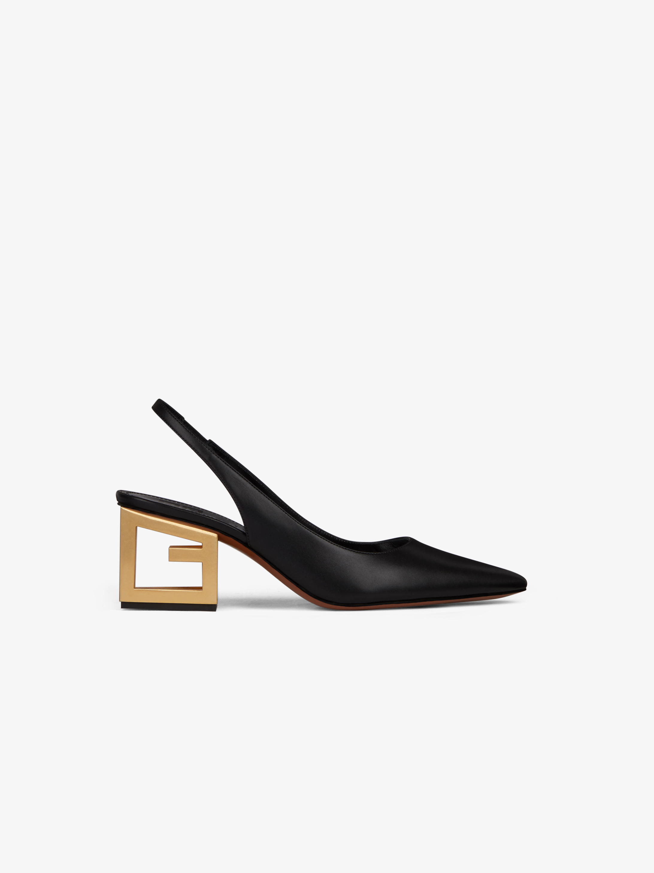 Pumps in leather with triangular G heel