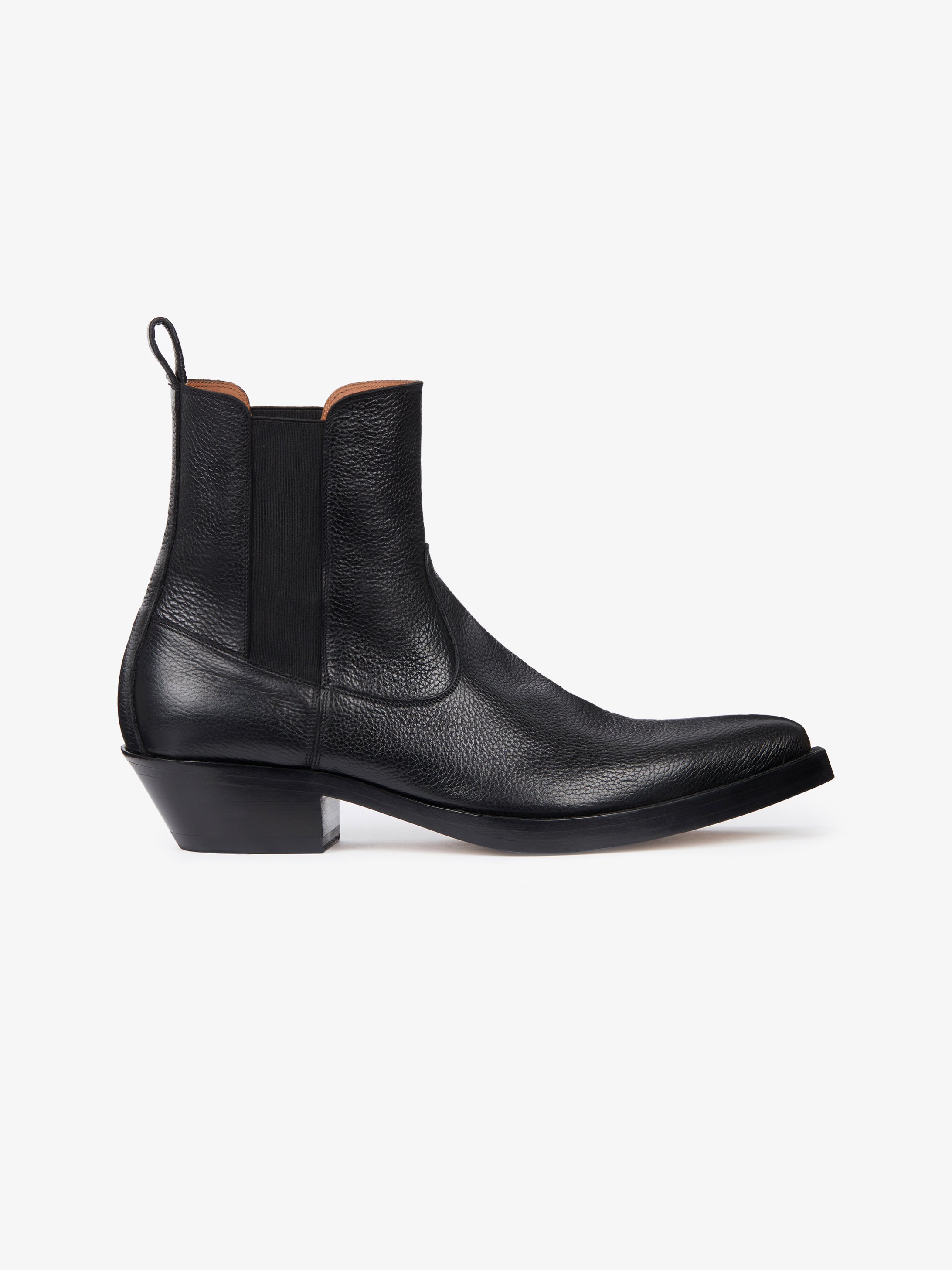 Cowboy boots in shinny grained leather