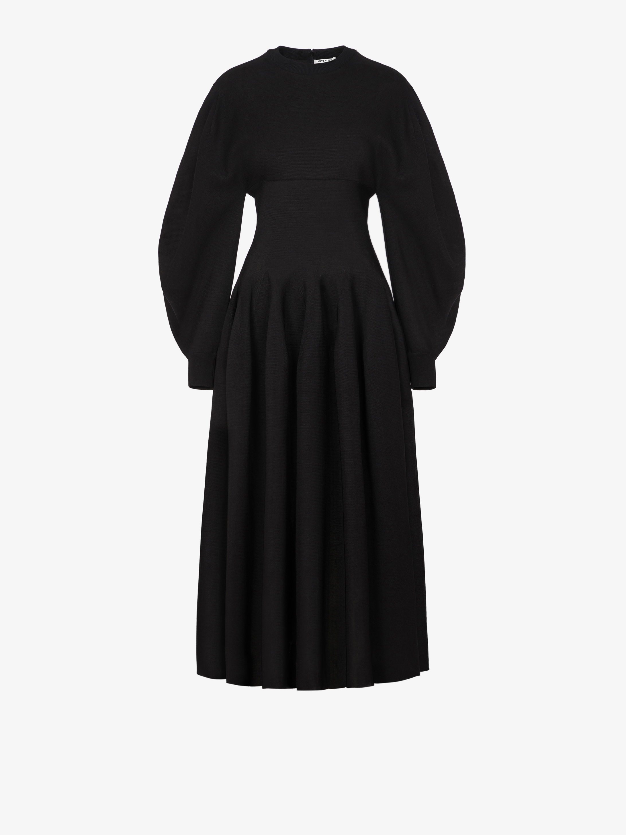 Mid-length dress in knit with puffed sleeves