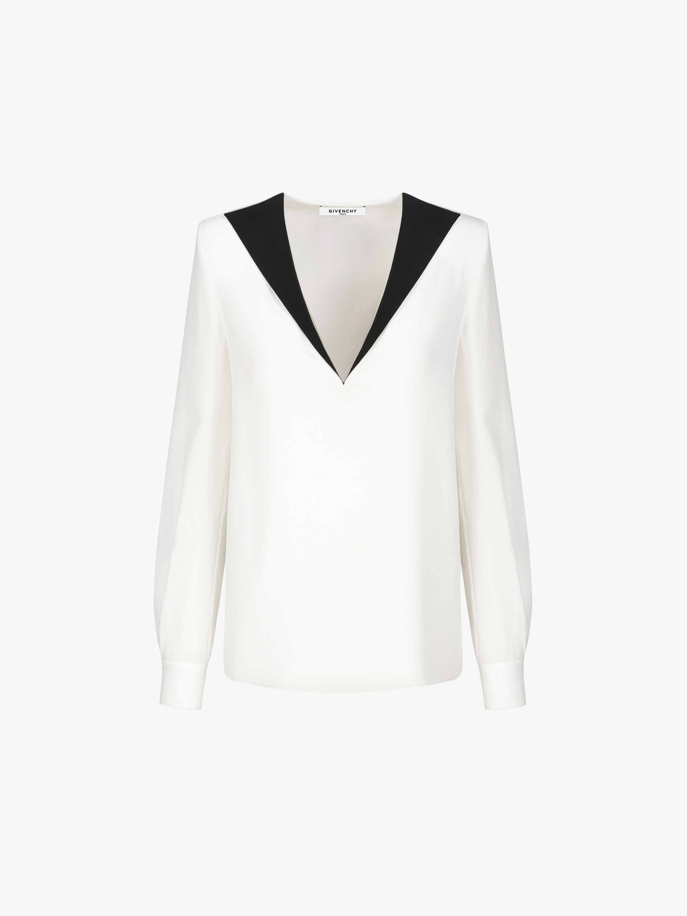 V neck top with contrasted collar