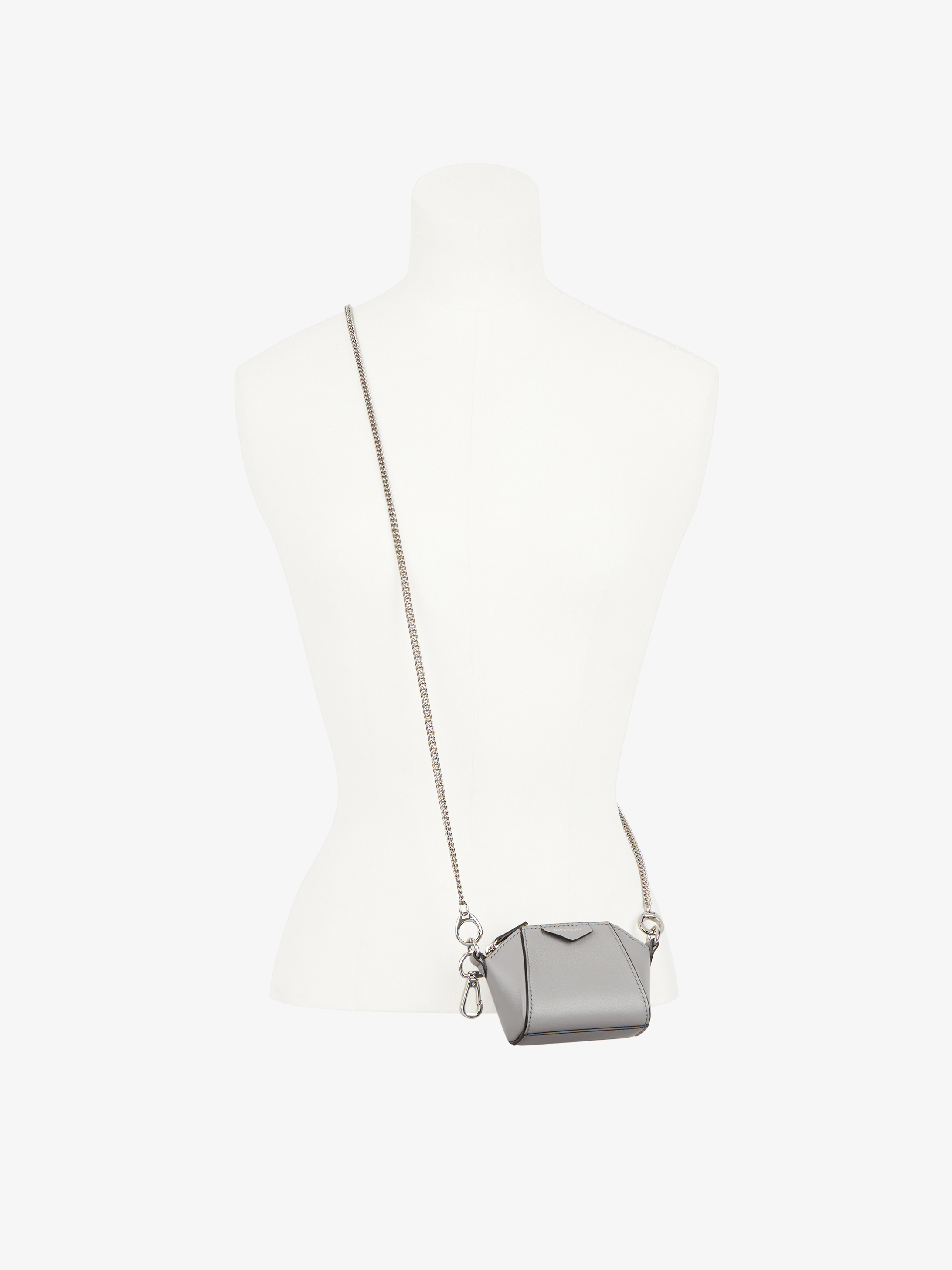 Baby Antigona bag in leather with chain