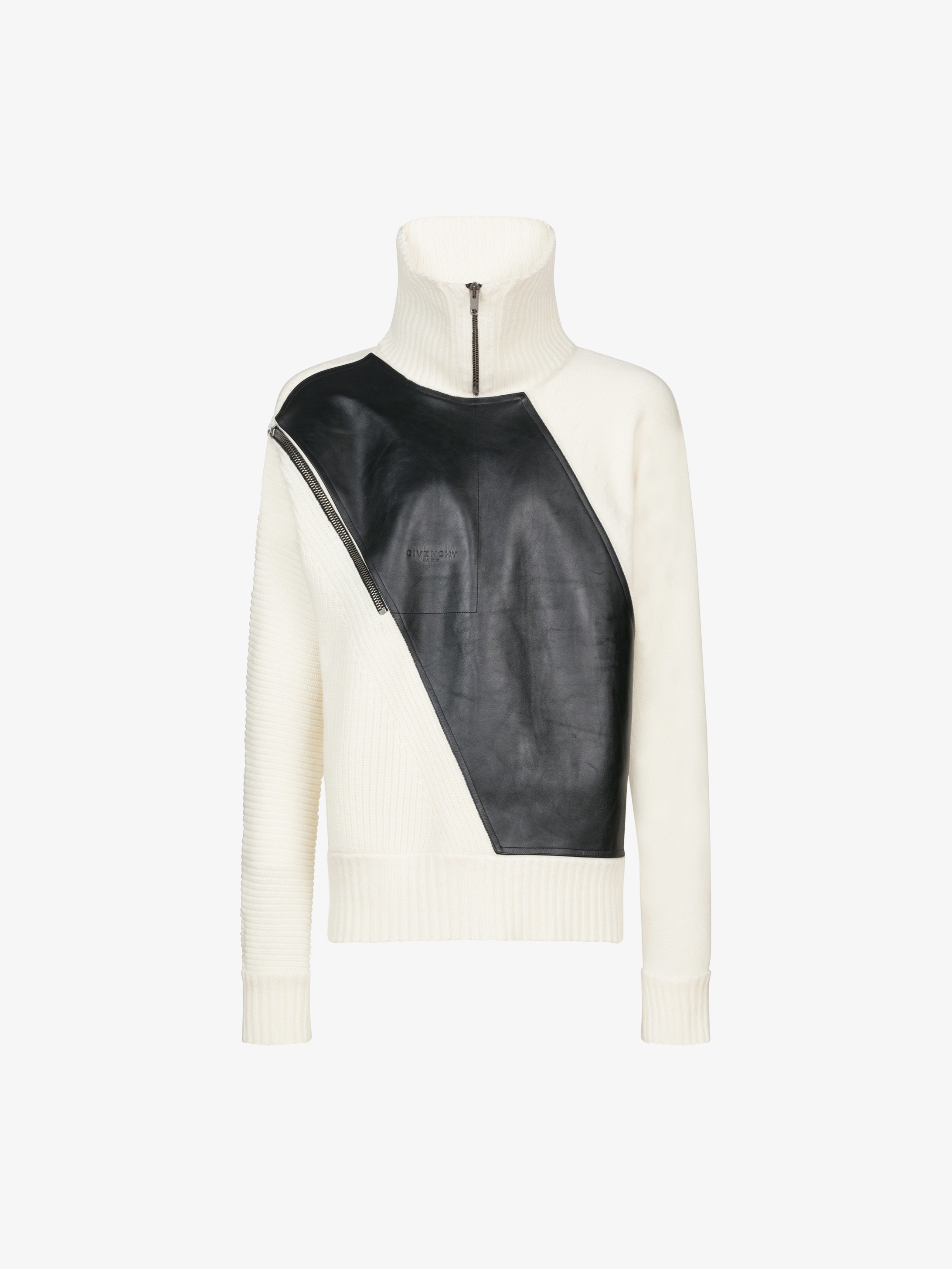 Jumper with inserted leather fabric