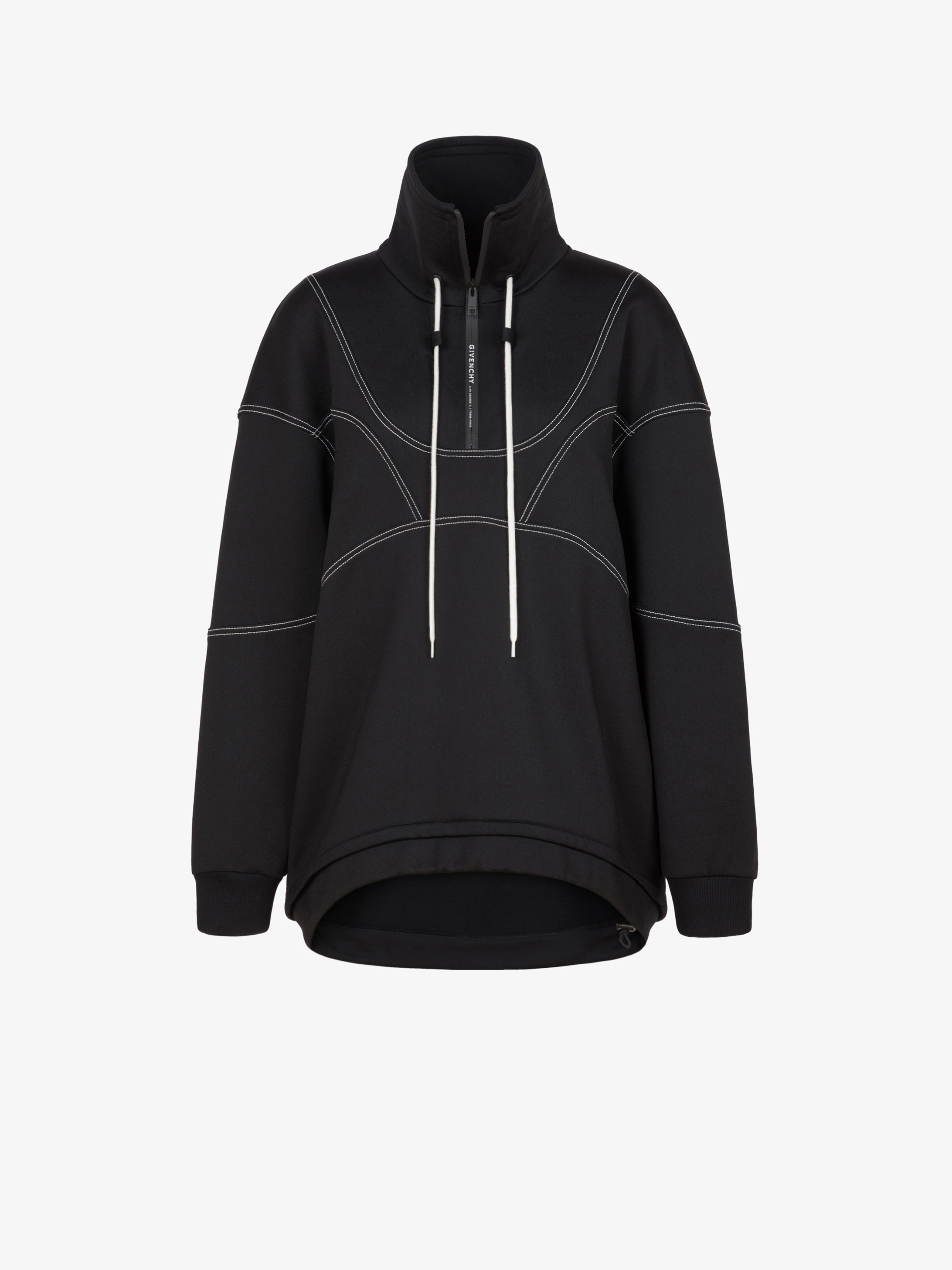 Oversized sweatshirt with contrasted stitching