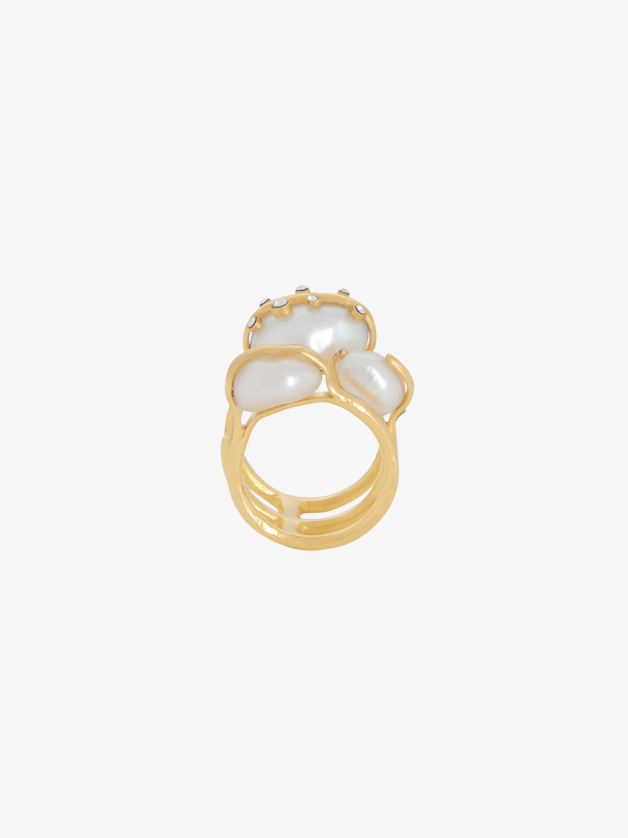 Midnight Pearl triple ring