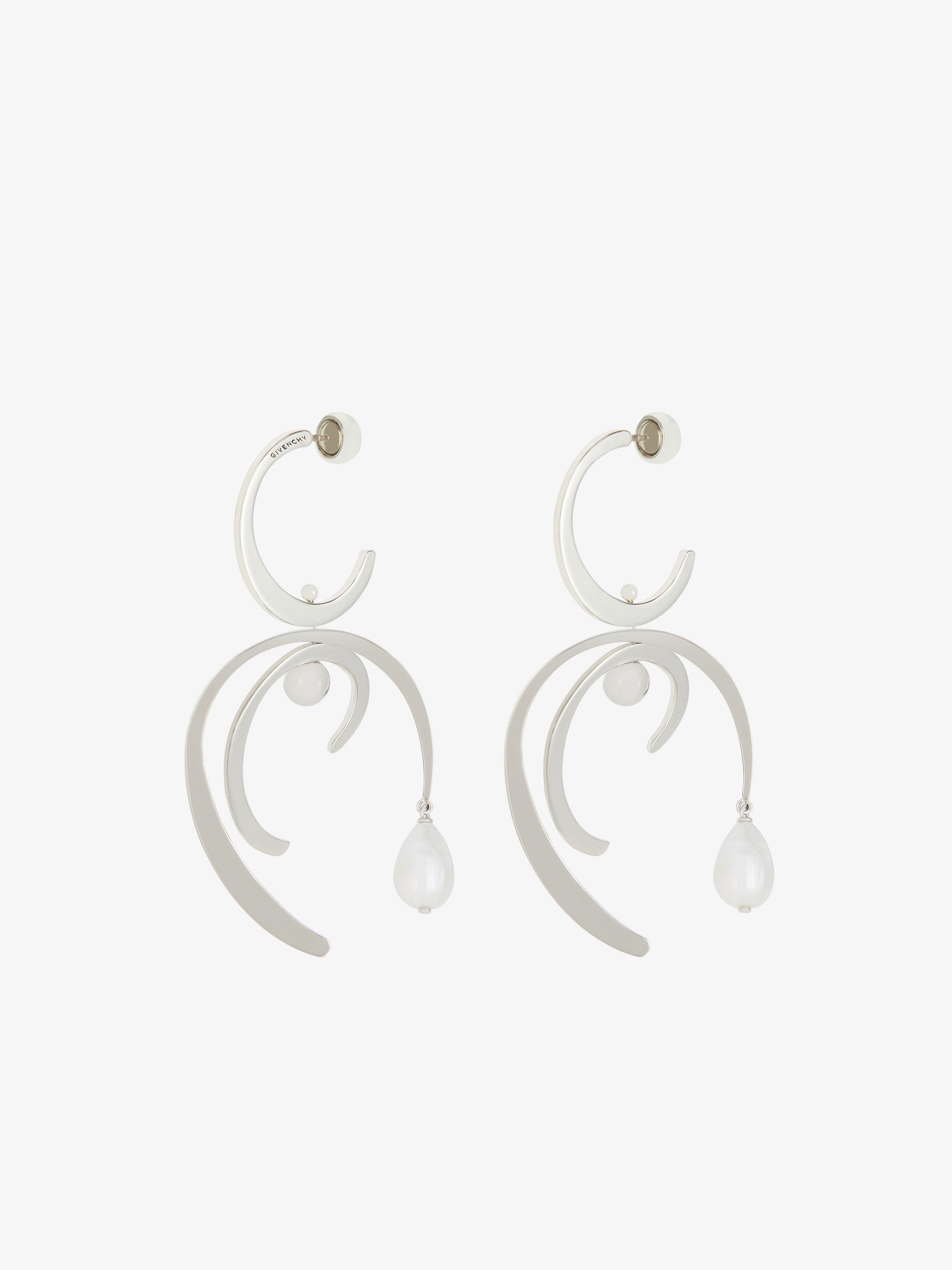 Harp earrings with pearls