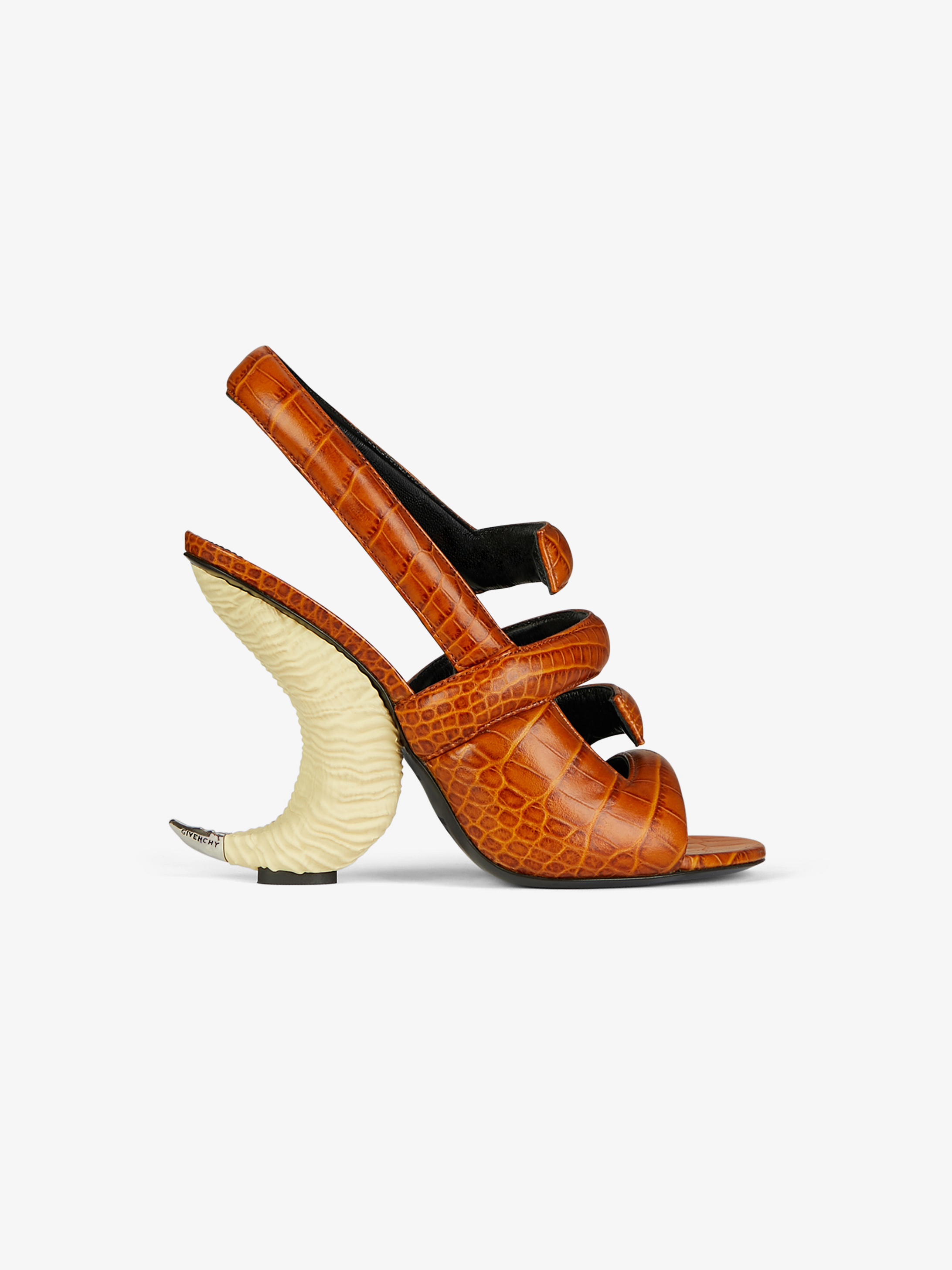 Sandales en cuir façon crocodile à talon corne