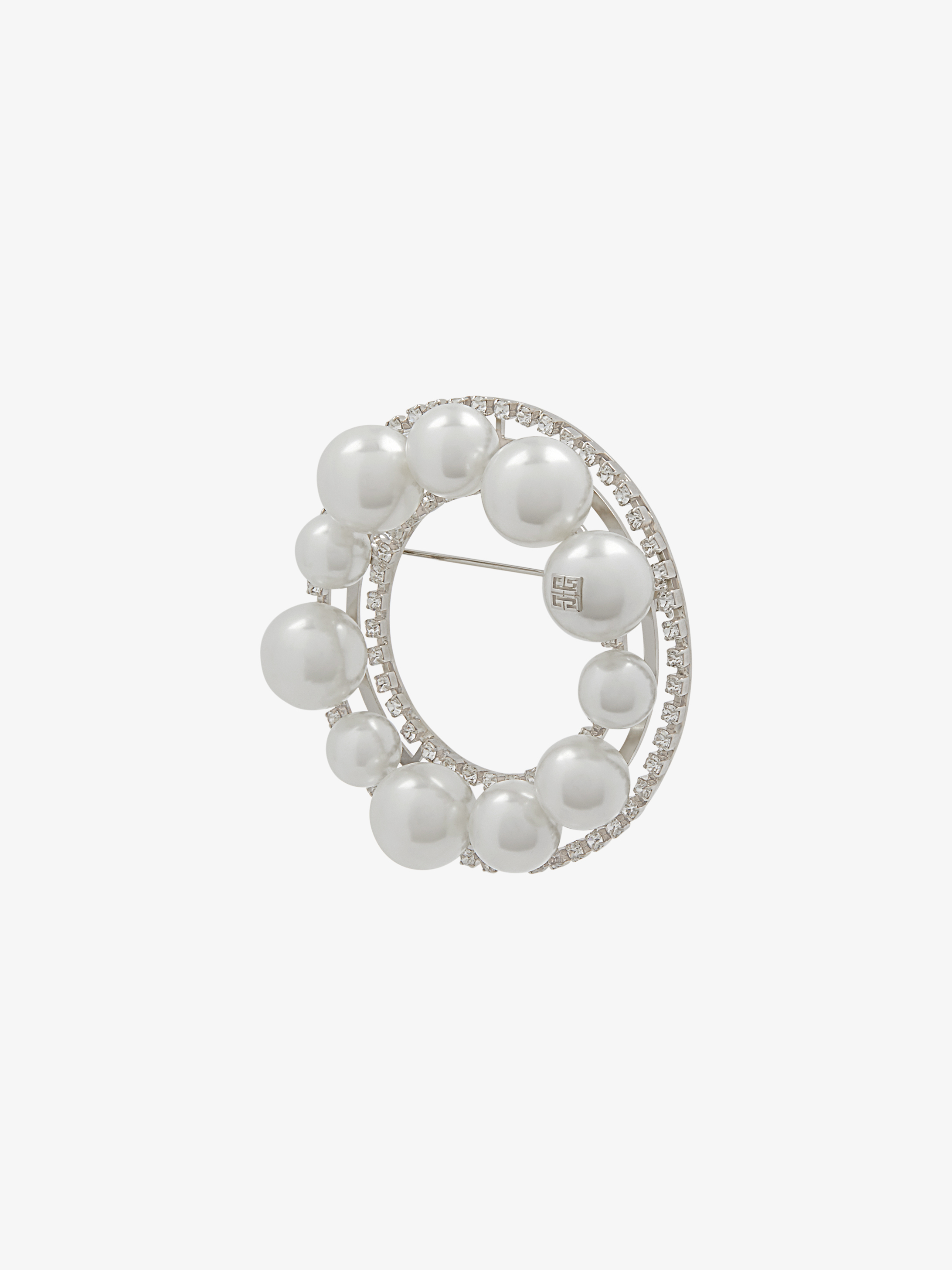 Ariana brooch in pearls and crystals
