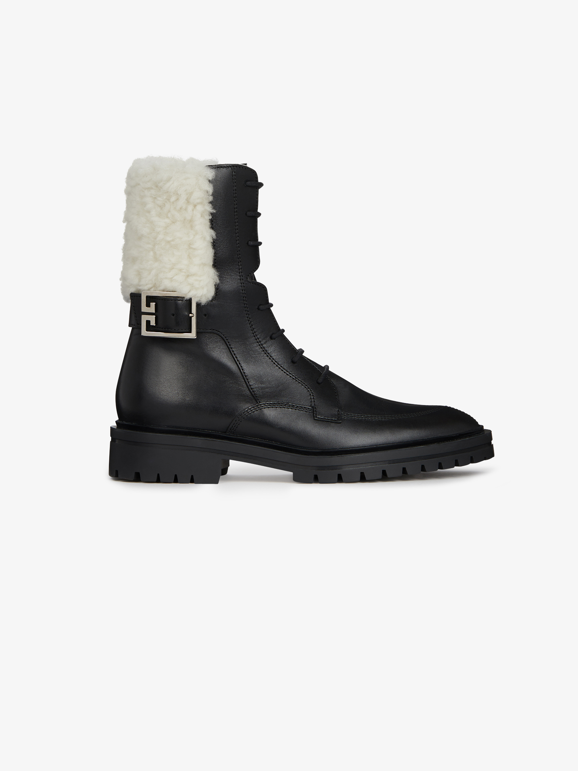 Aviator boots in leather and shearling