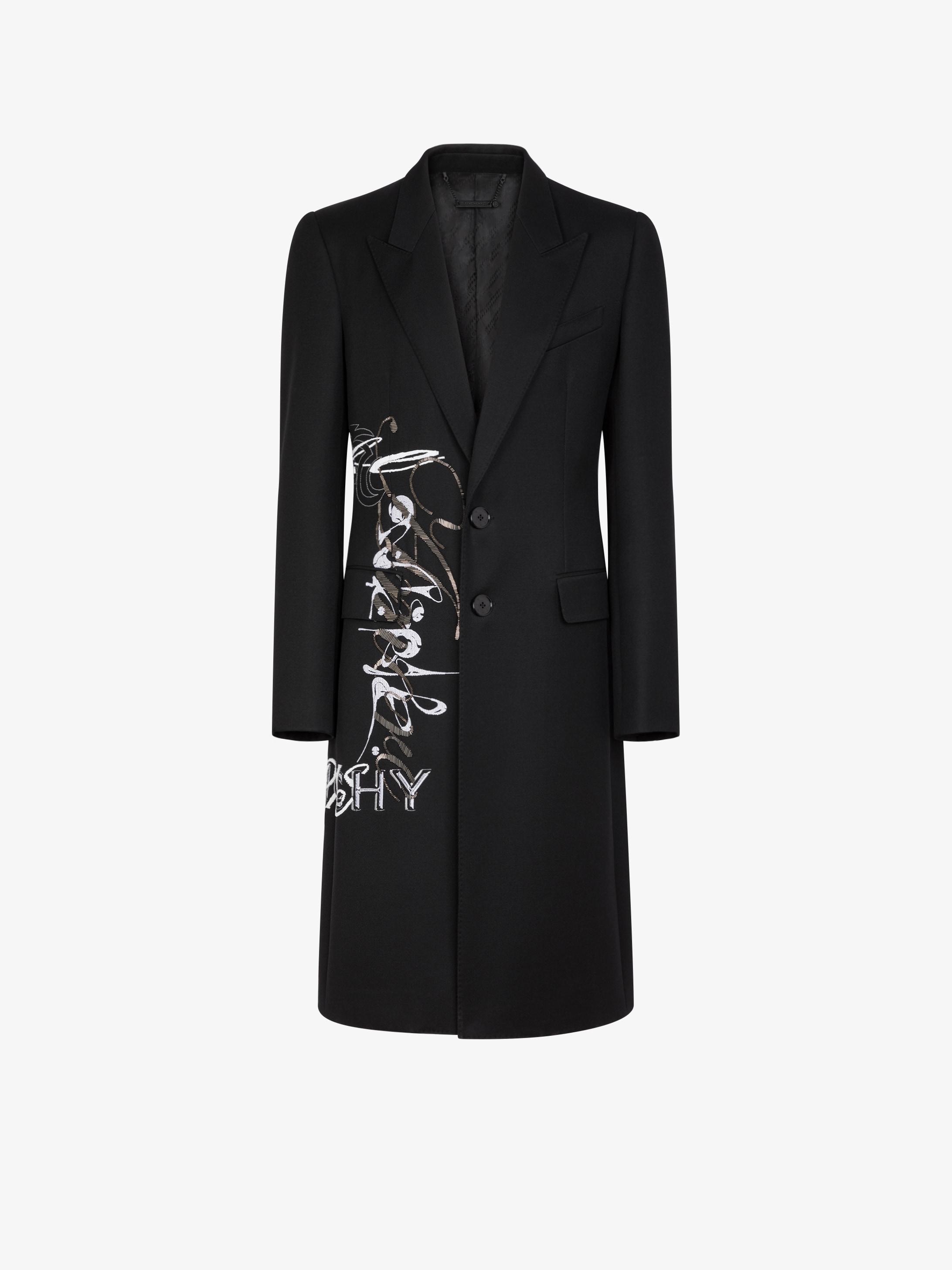 Manteau en laine japonaise à broderie calligraphique