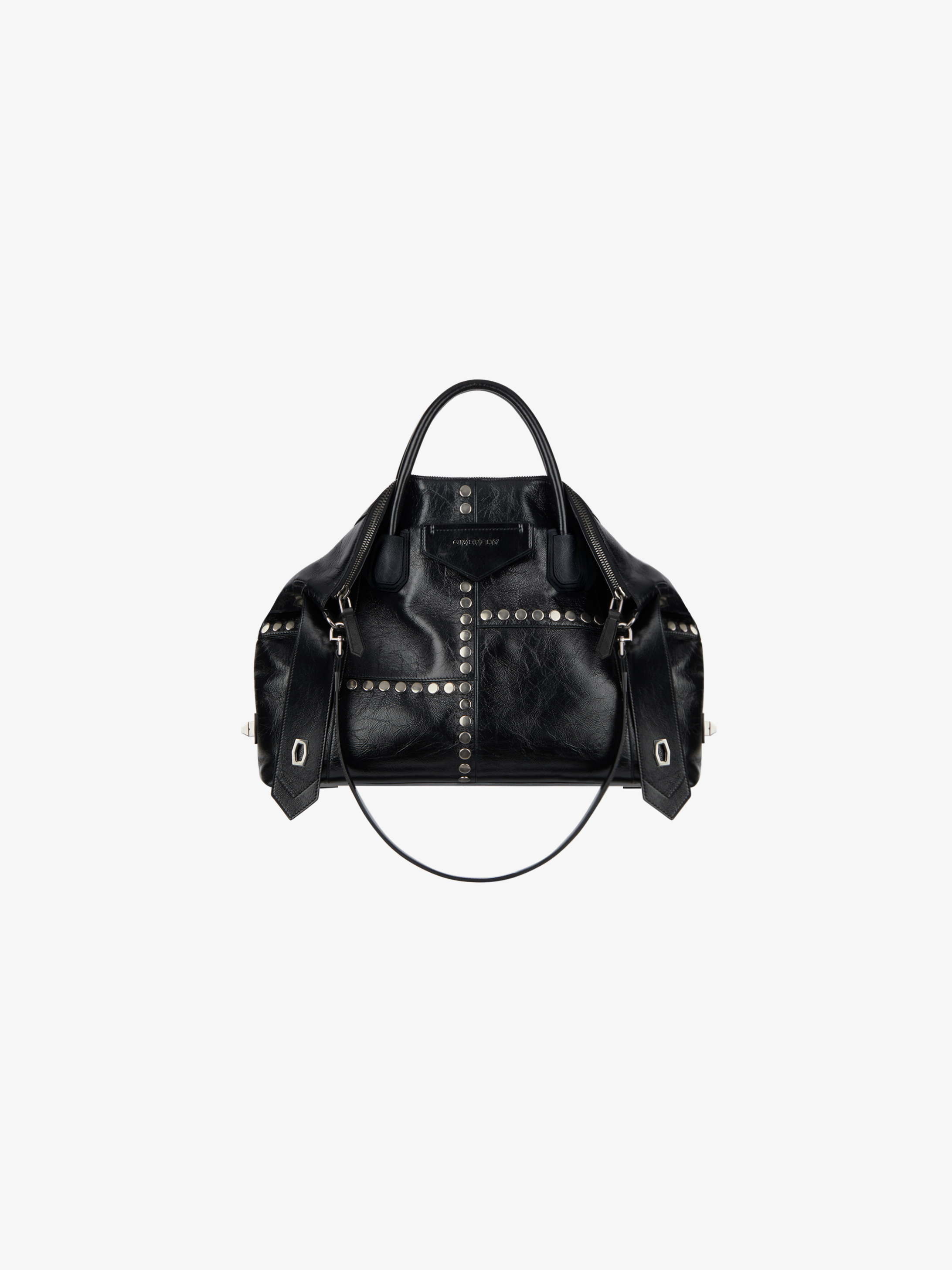 Medium Antigona Soft bag in vintage leather with studs