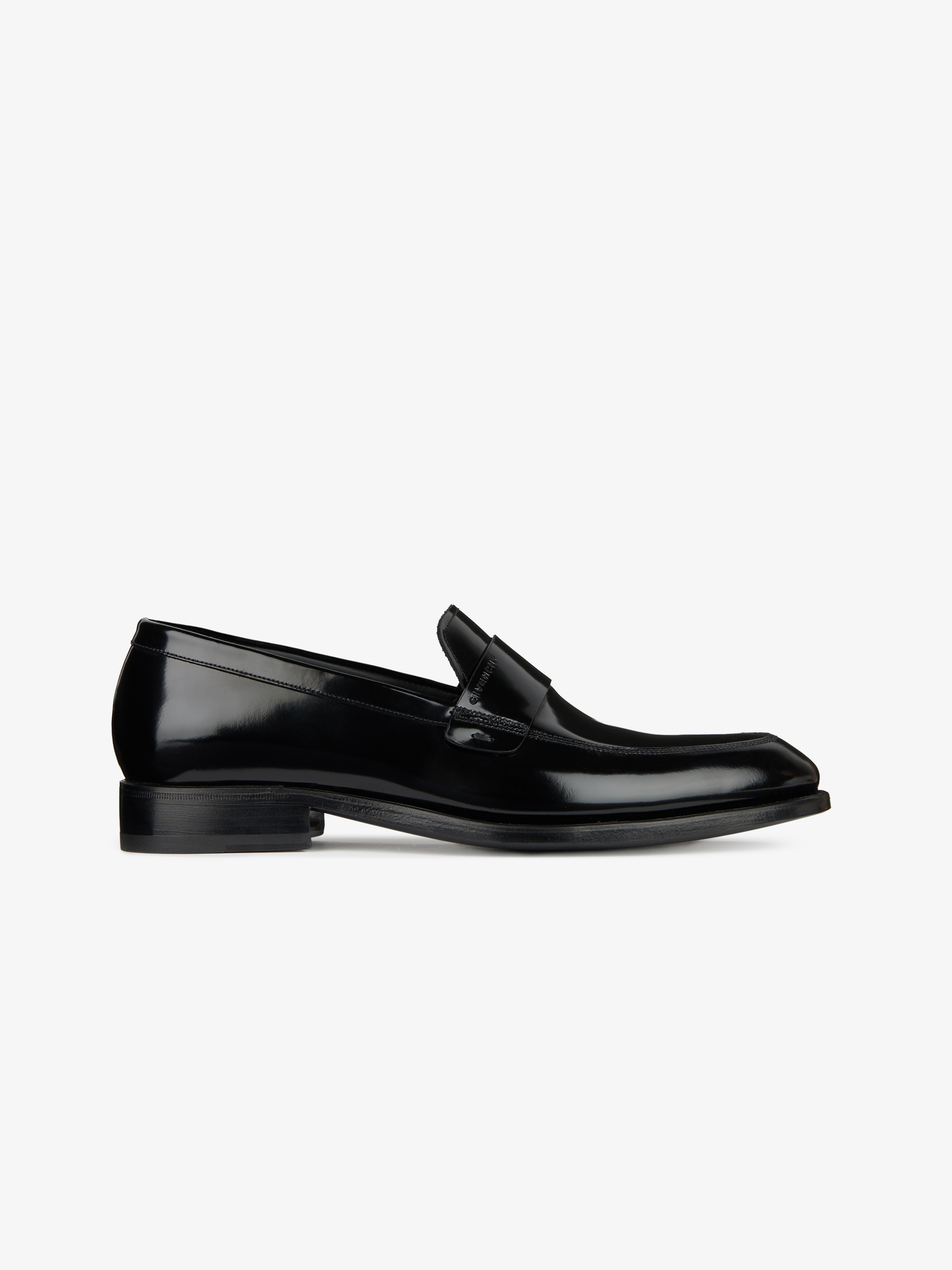 Loafers in shiny leather
