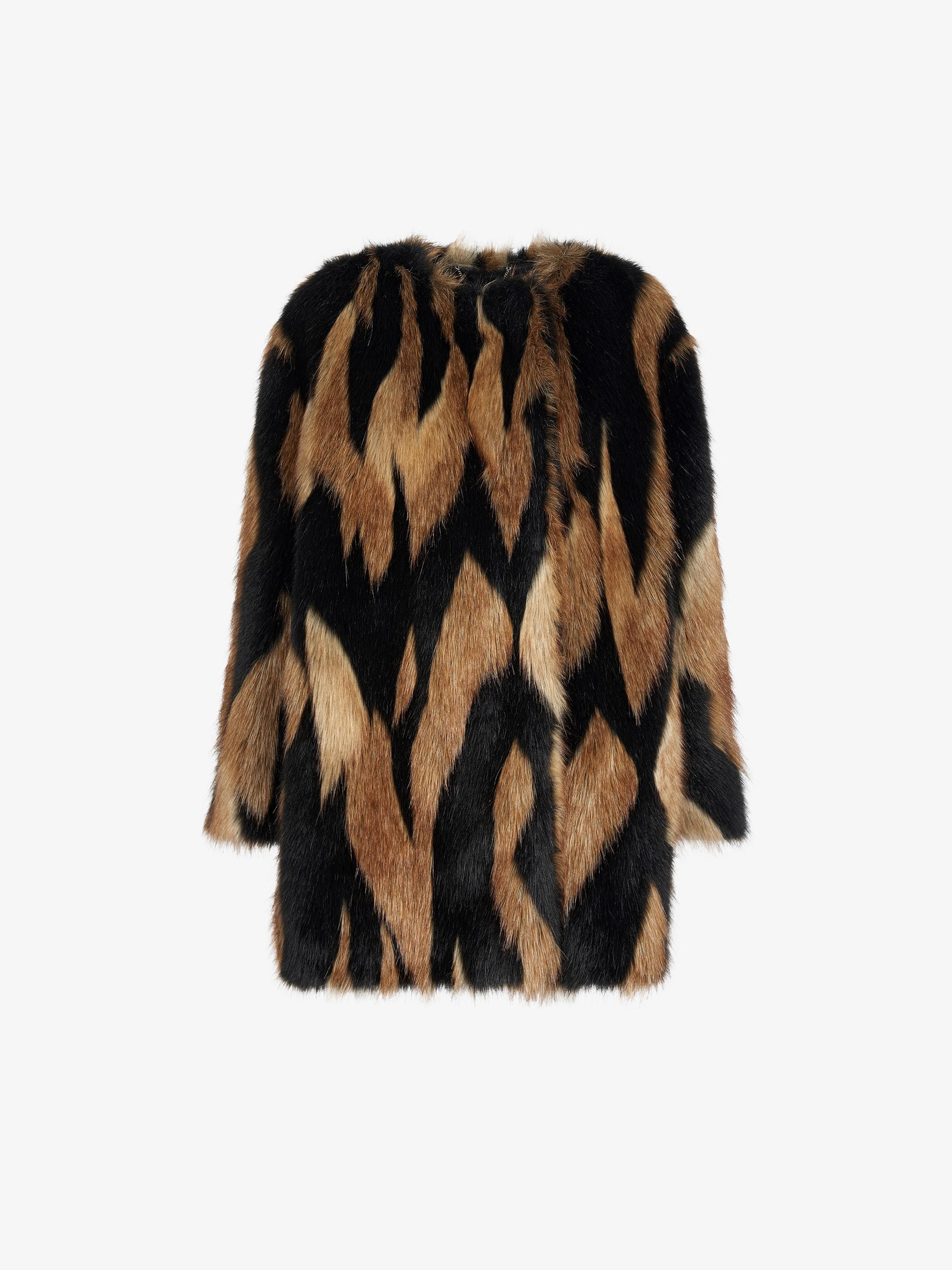 Bicolor faux fur short coat