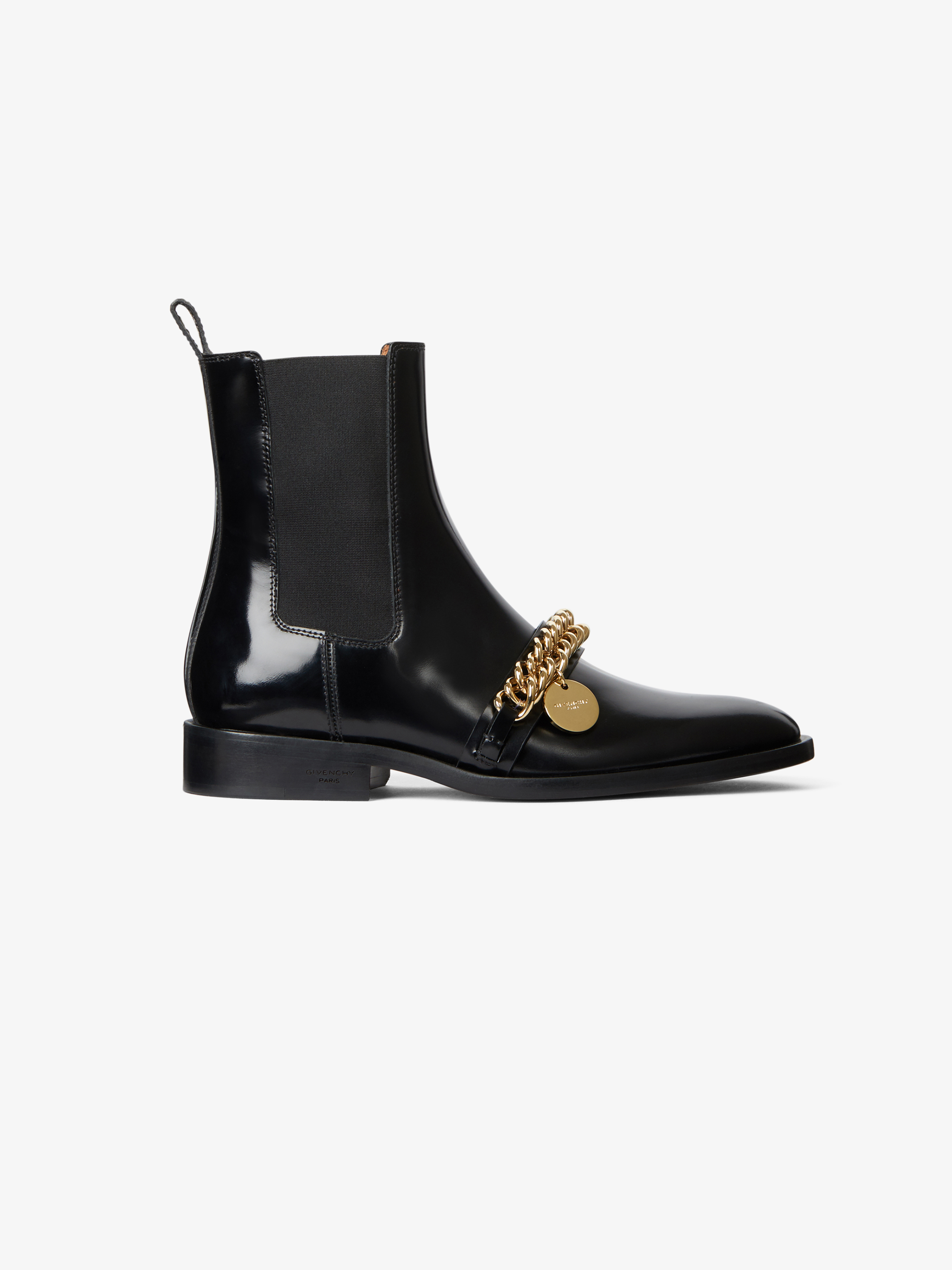 Chelsea boots in leather with chain