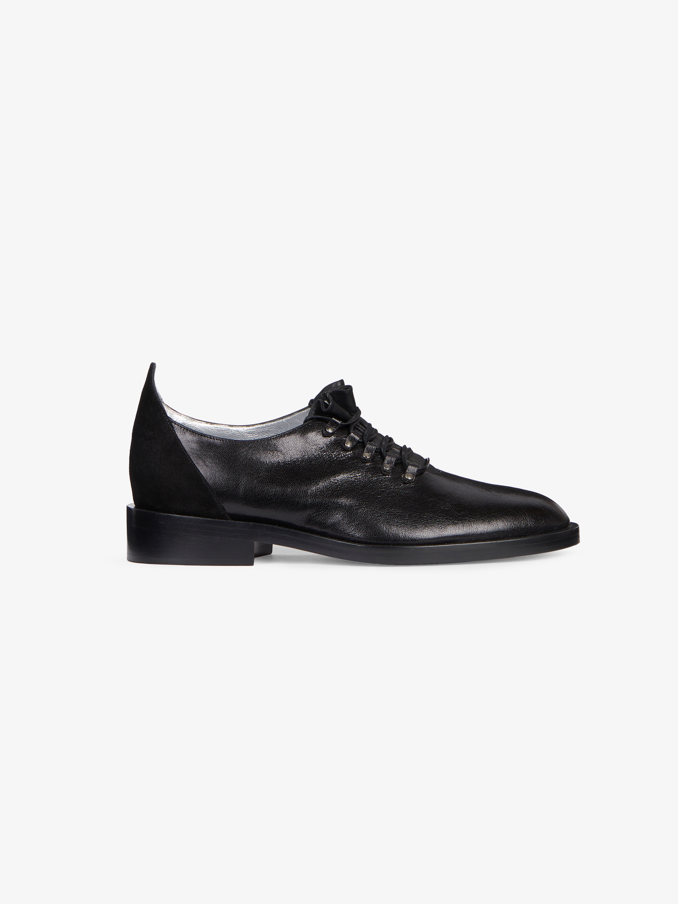 Derby shoes in leather and suede