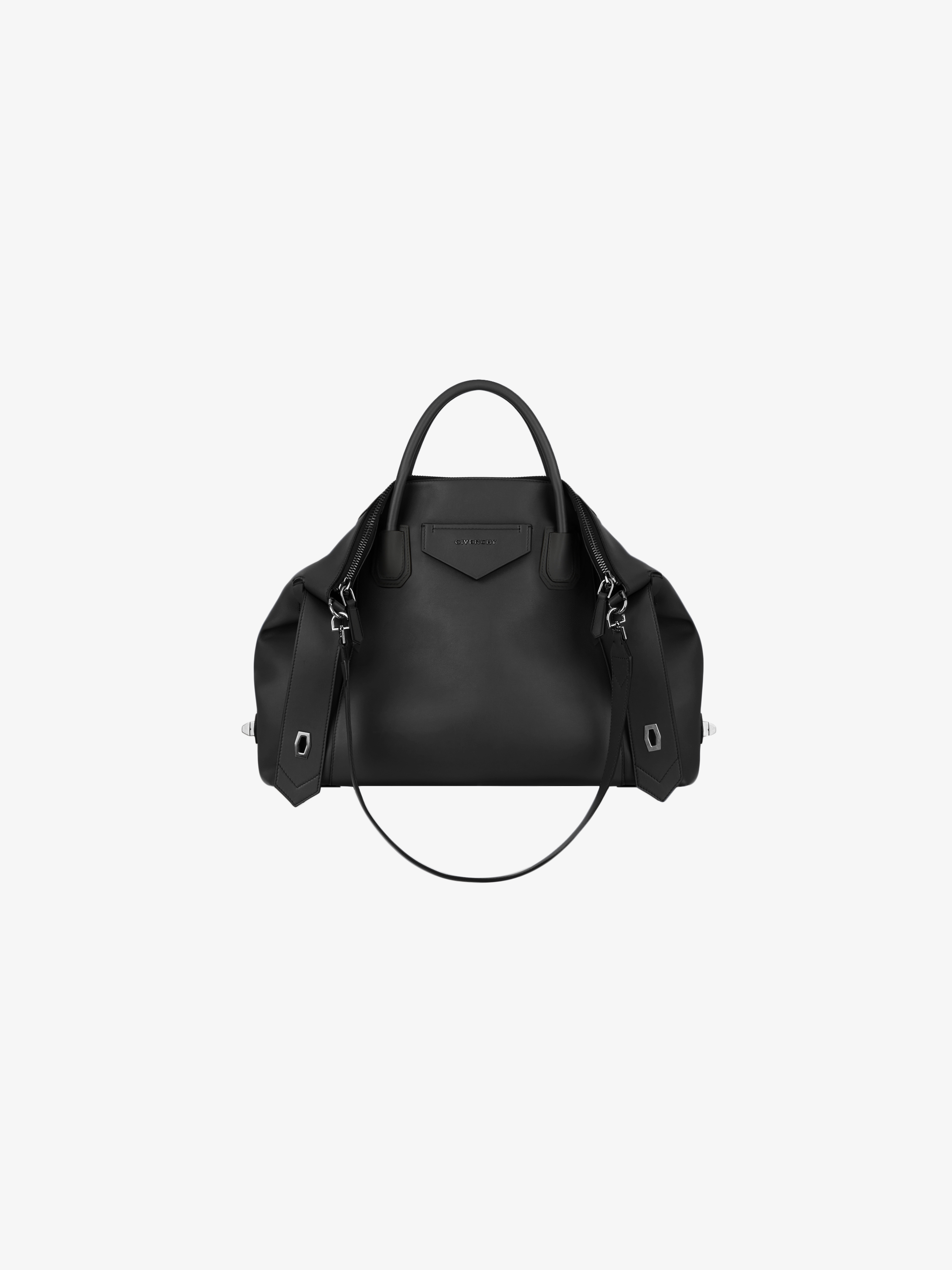 Medium Antigona Soft bag in smooth leather