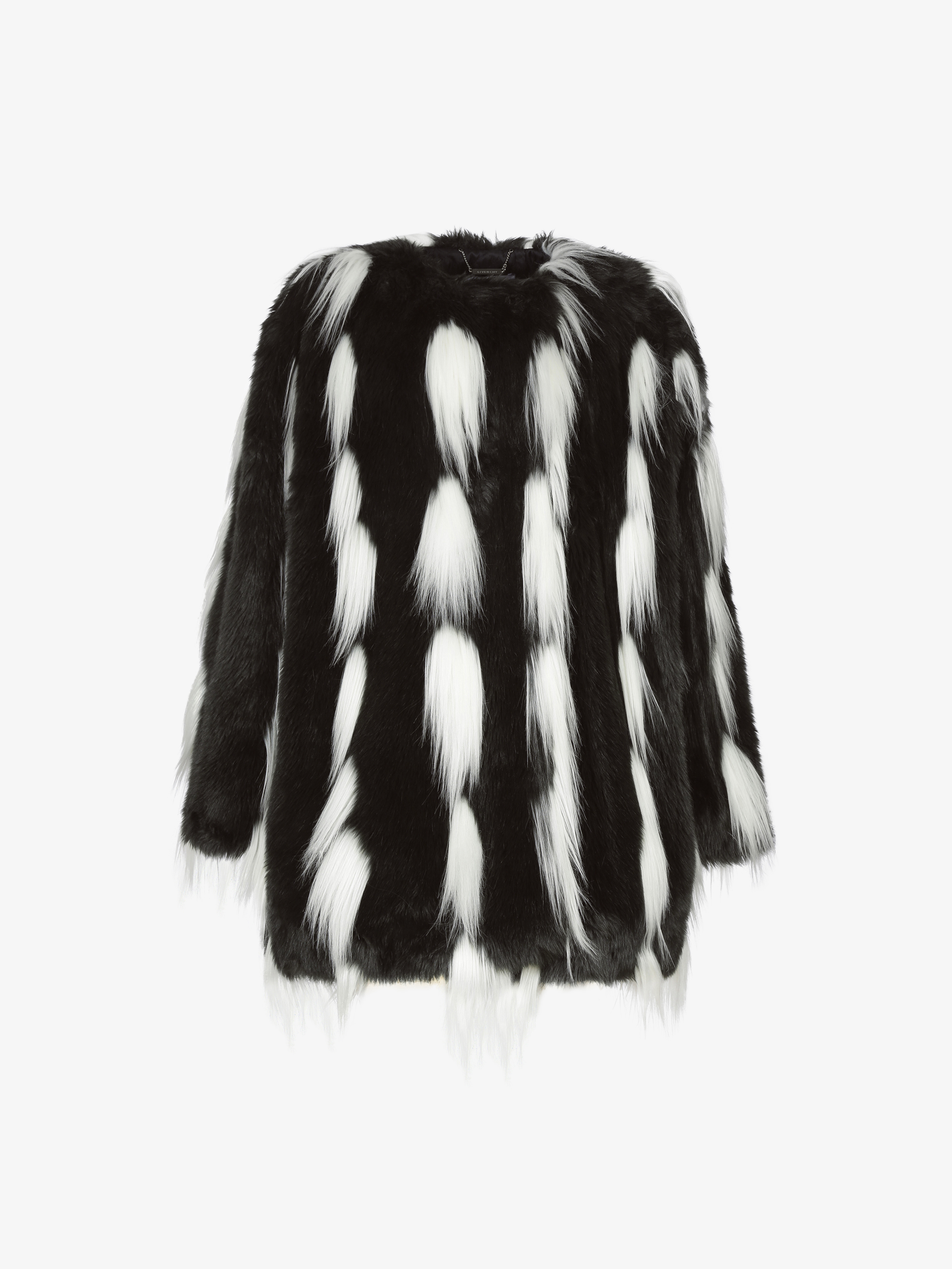 Bicolor coat in faux fur