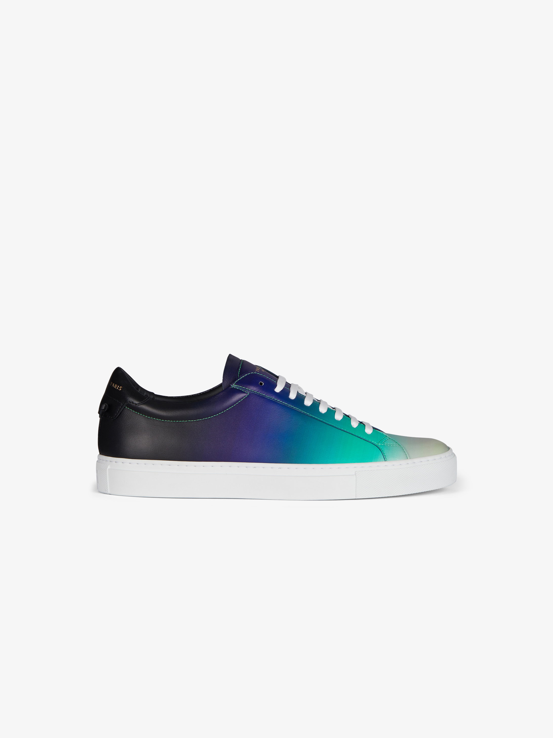 Sneakers in matte faded leather