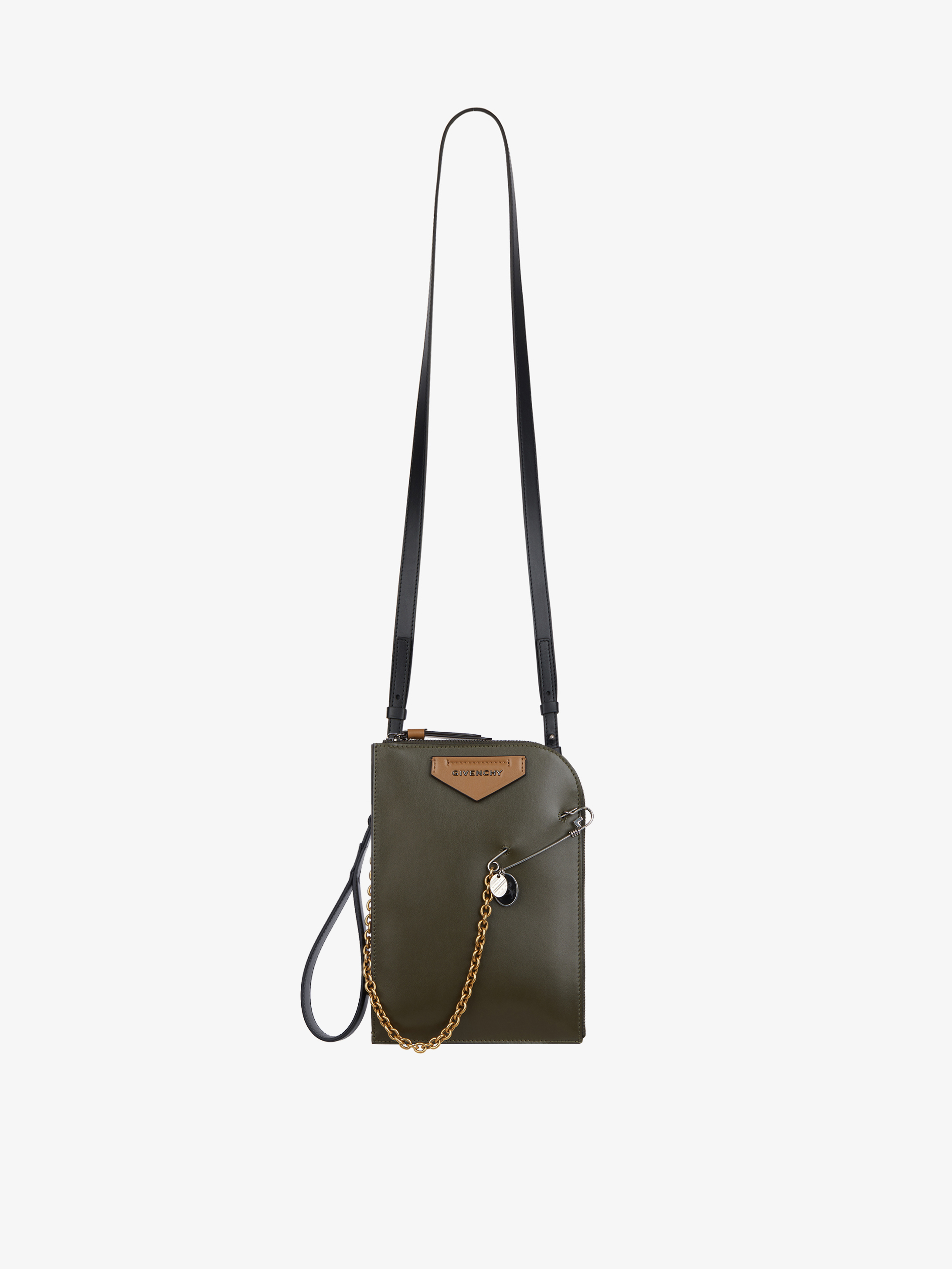 Small Antigona Soft flat bag in leather and G pin