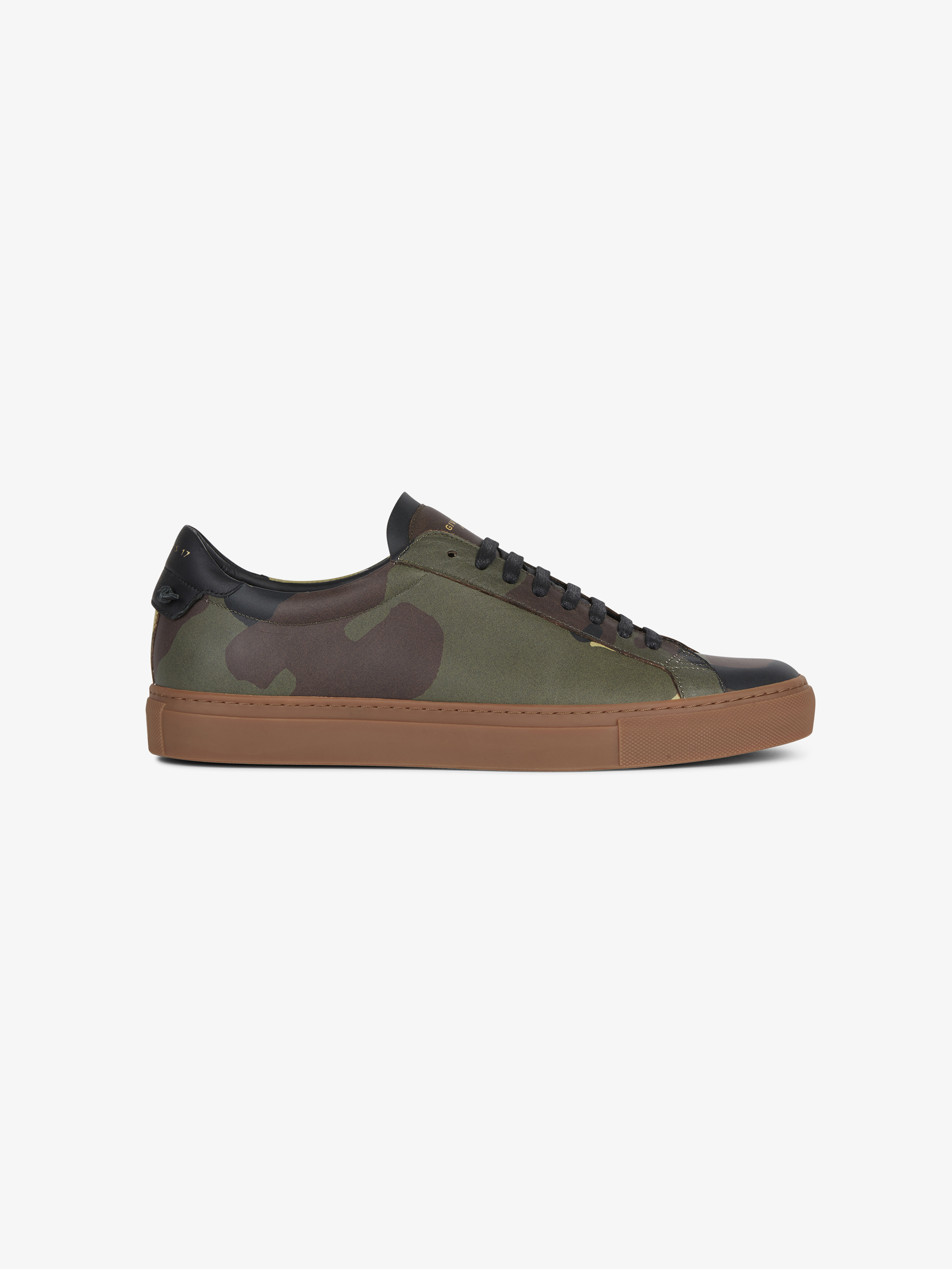 Sneaker con stampa camouflage in pelle